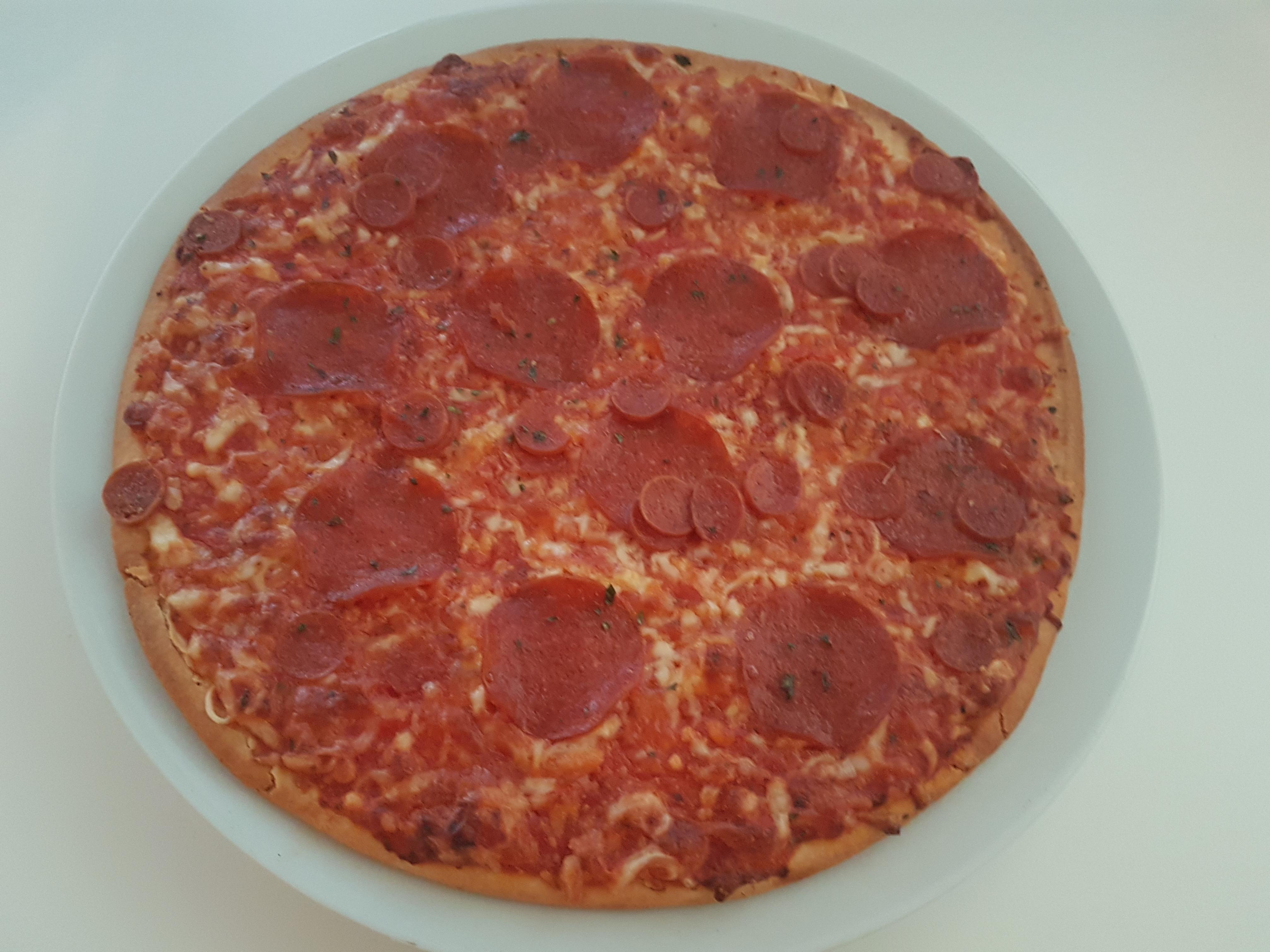 https://foodloader.net/Holz_2019-08-08_Pizza.jpg