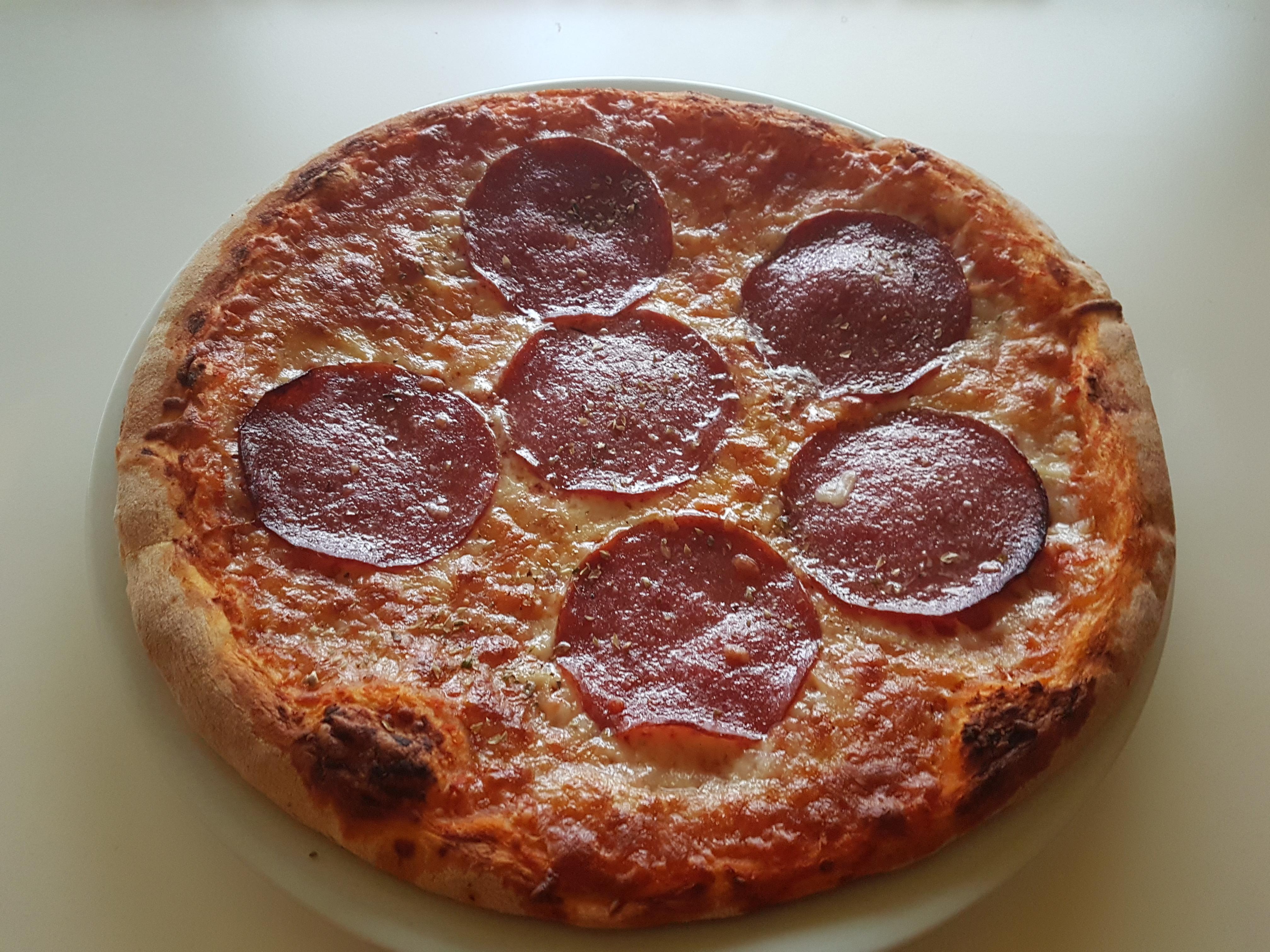 https://foodloader.net/Holz_2019-10-03_Pizza.jpg