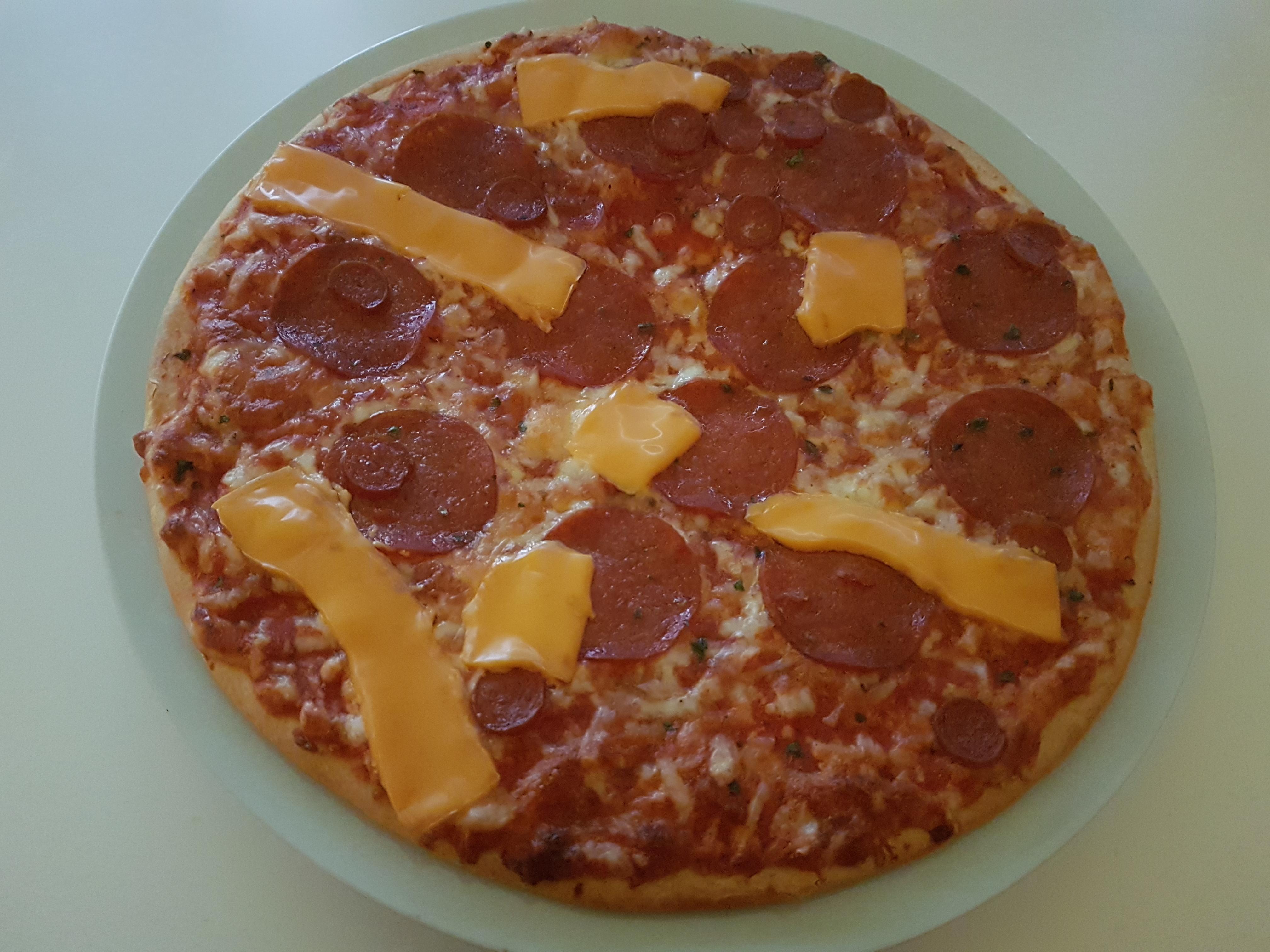 https://foodloader.net/Holz_2019-10-13_Pizza.jpg