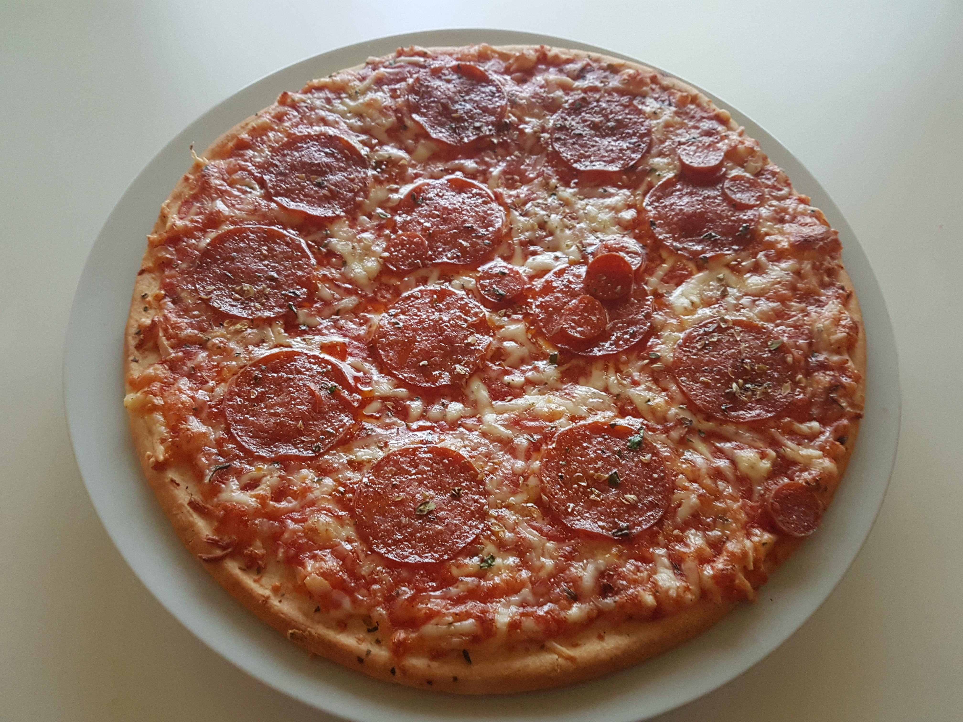 https://foodloader.net/Holz_2019-10-23_Pizza.jpg