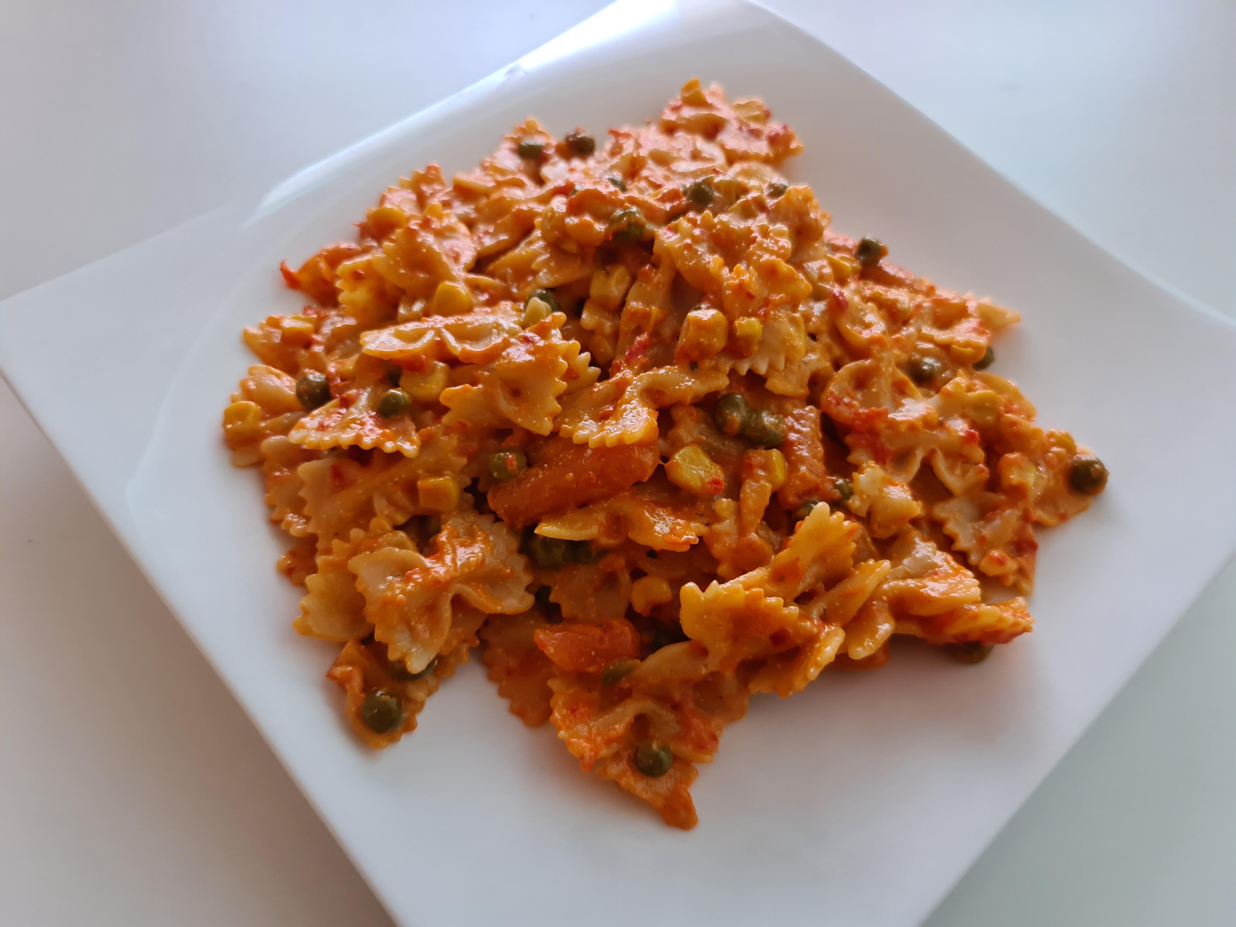 https://foodloader.net/Holz_2020-04-11_Farfalle_alla_Calabrese_con_le_Verdure.jpg