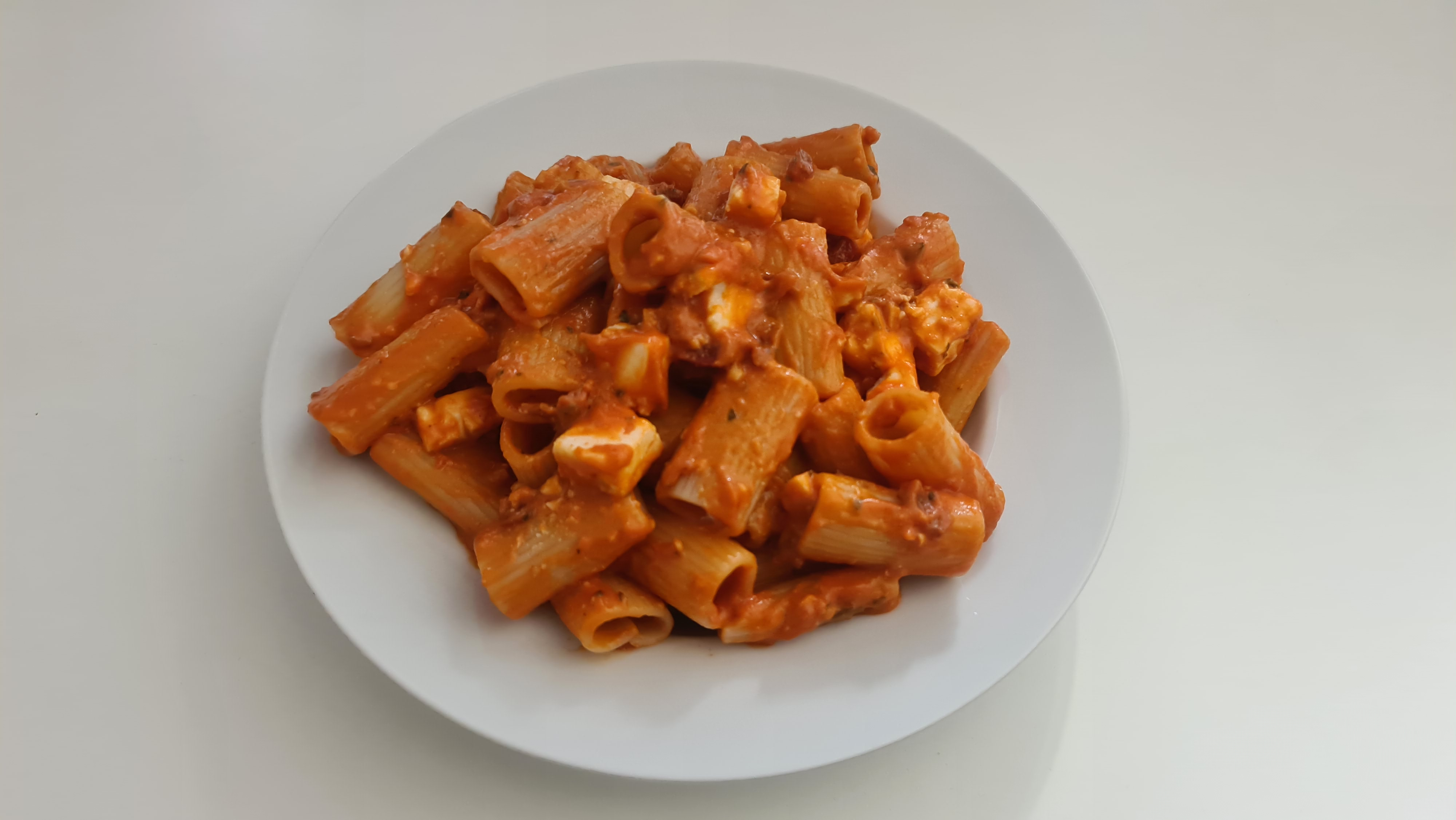 https://foodloader.net/Holz_2020-05-03_Rigatoni_Rosso.jpg