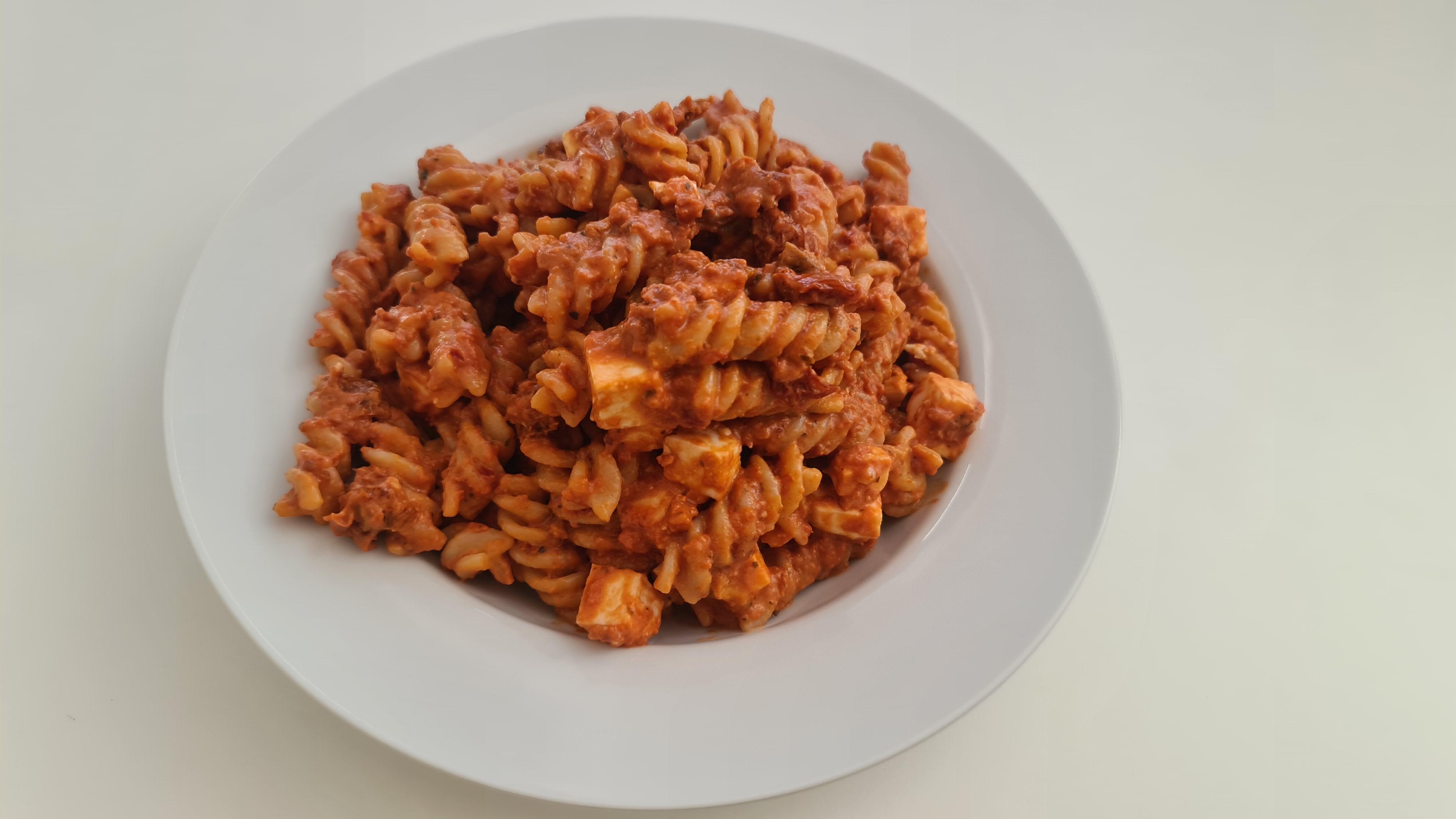 https://foodloader.net/Holz_2020-05-14_Fusilli_Pomodori_Secchi.jpg