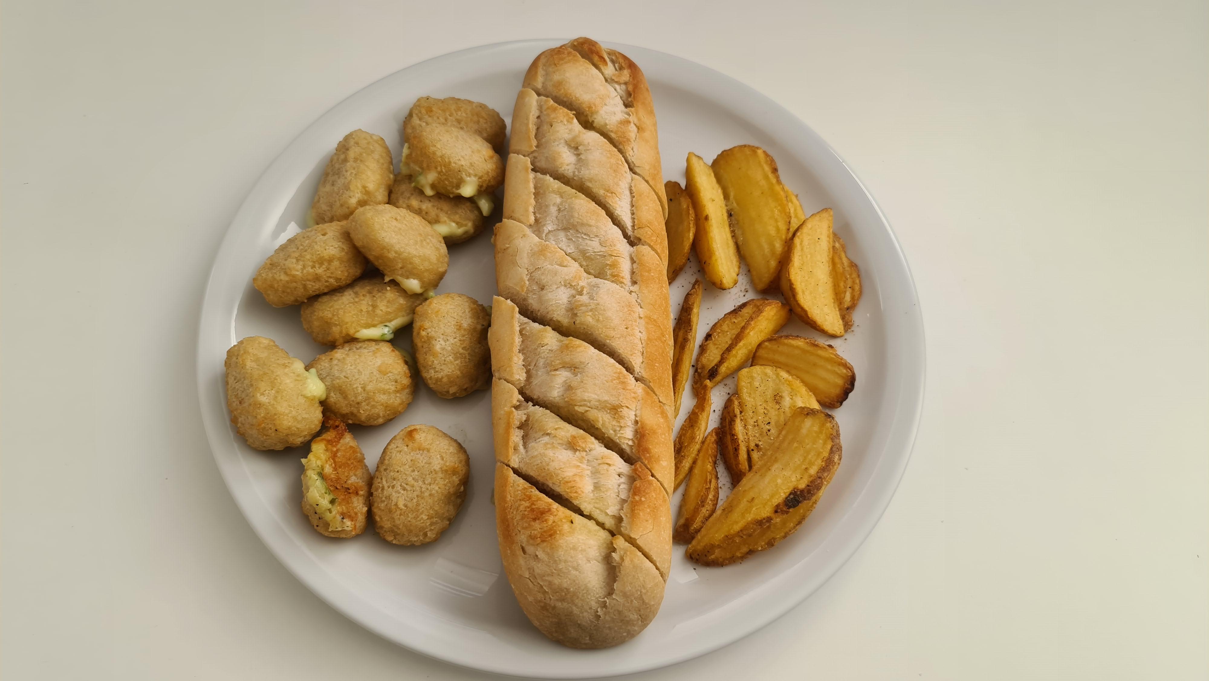 https://foodloader.net/Holz_2020-05-27_Chili_Cheese_Nuggets_und_Kraeuterbaguette_und_Crispers.jpg
