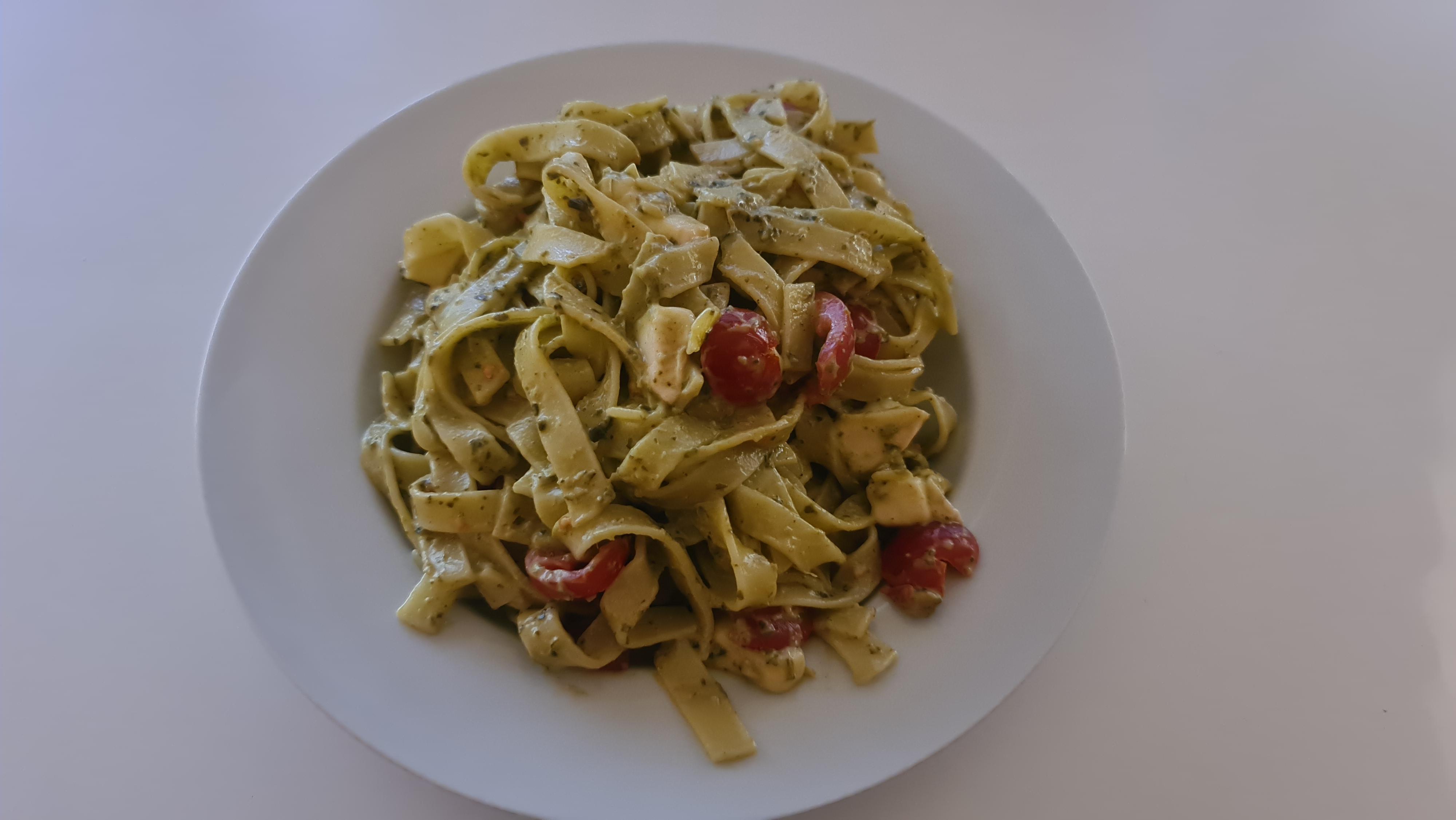 https://foodloader.net/Holz_2020-06-27_Tagliatelle_Basilico_e_Pomodori.jpg