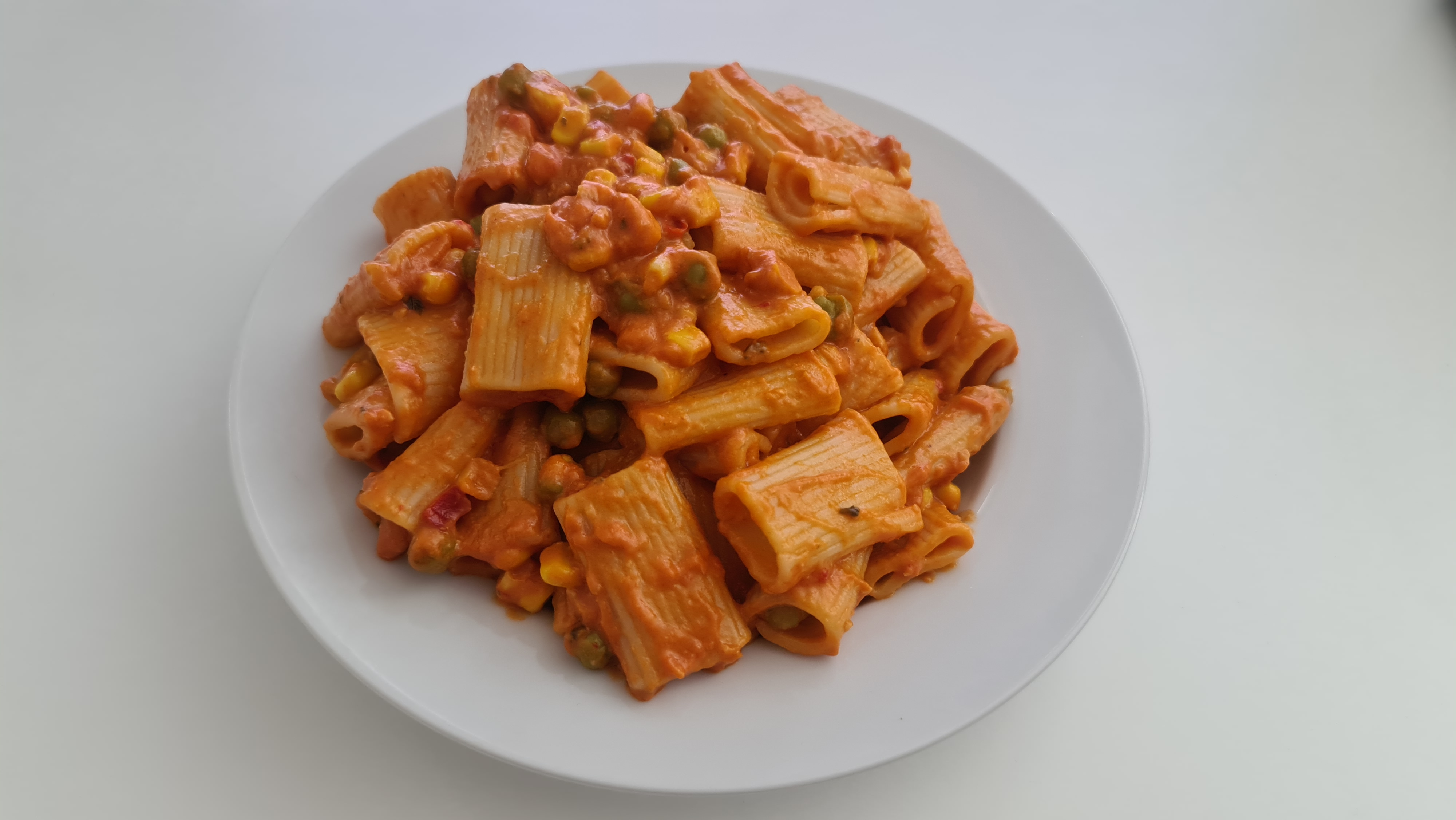 https://foodloader.net/Holz_2020-07-06_Rigatoni_Rosso.jpg