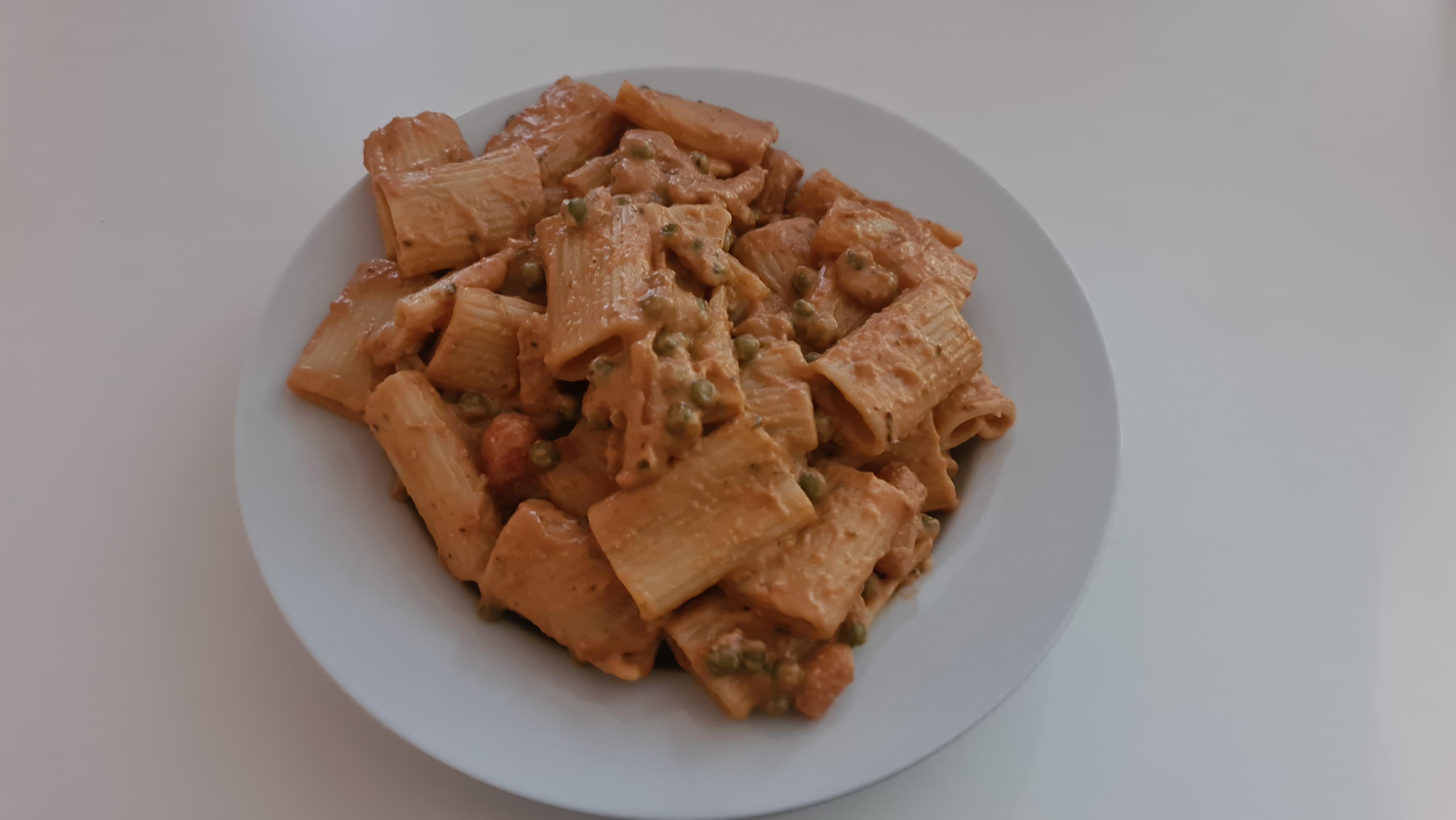 https://foodloader.net/Holz_2020-07-07_Rigatoni_Ricotta_e_Noci.jpg