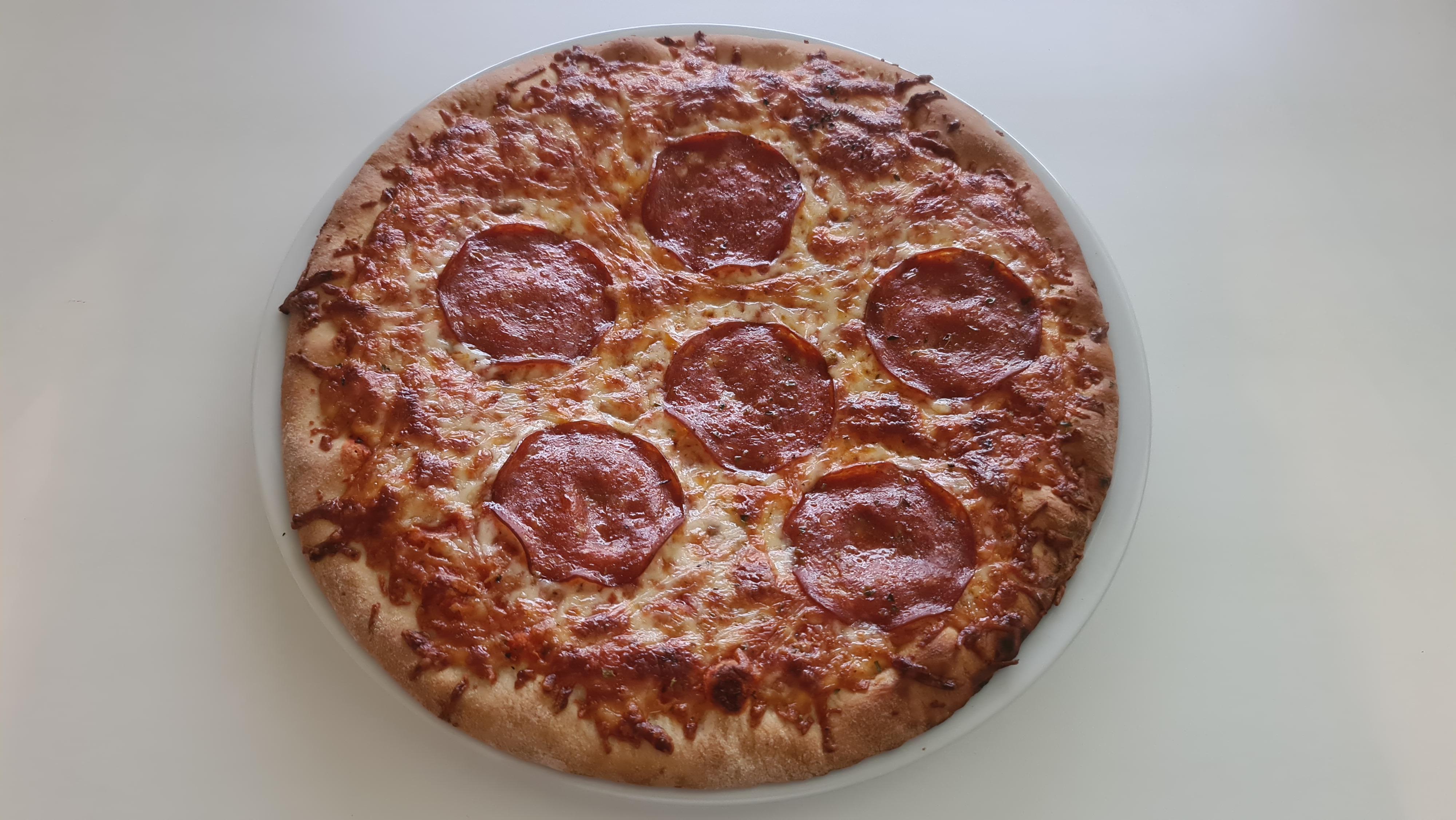 https://foodloader.net/Holz_2020-07-09_Pizza.jpg