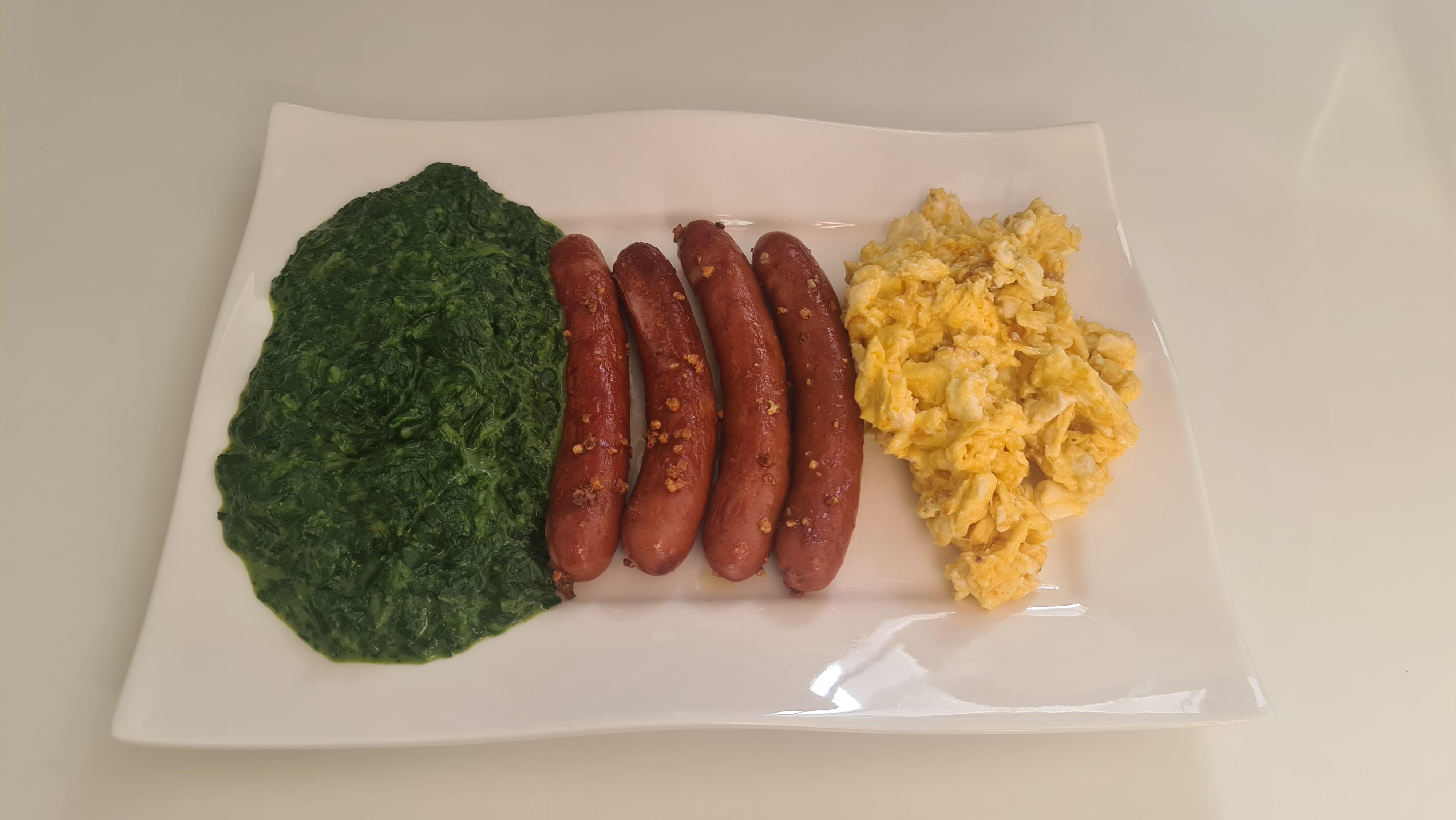 https://foodloader.net/Holz_2020-07-27_Kaesegriller_mit_Ruehrei_und_Spinat.jpg