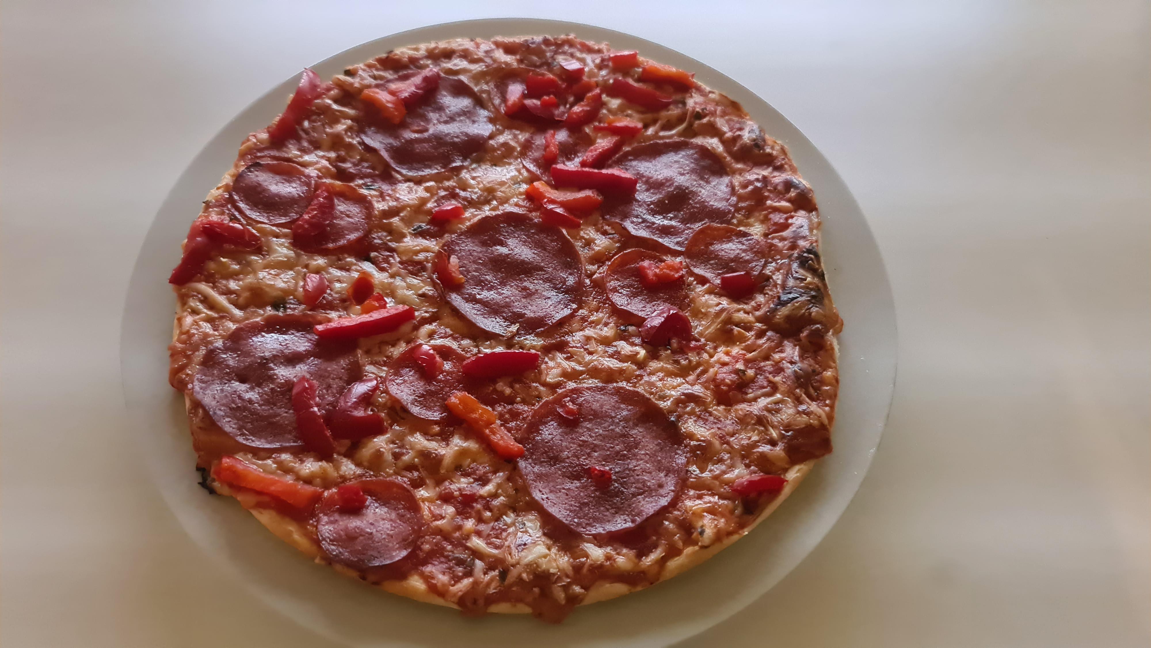 https://foodloader.net/Holz_2020-08-25_Pizza.jpg