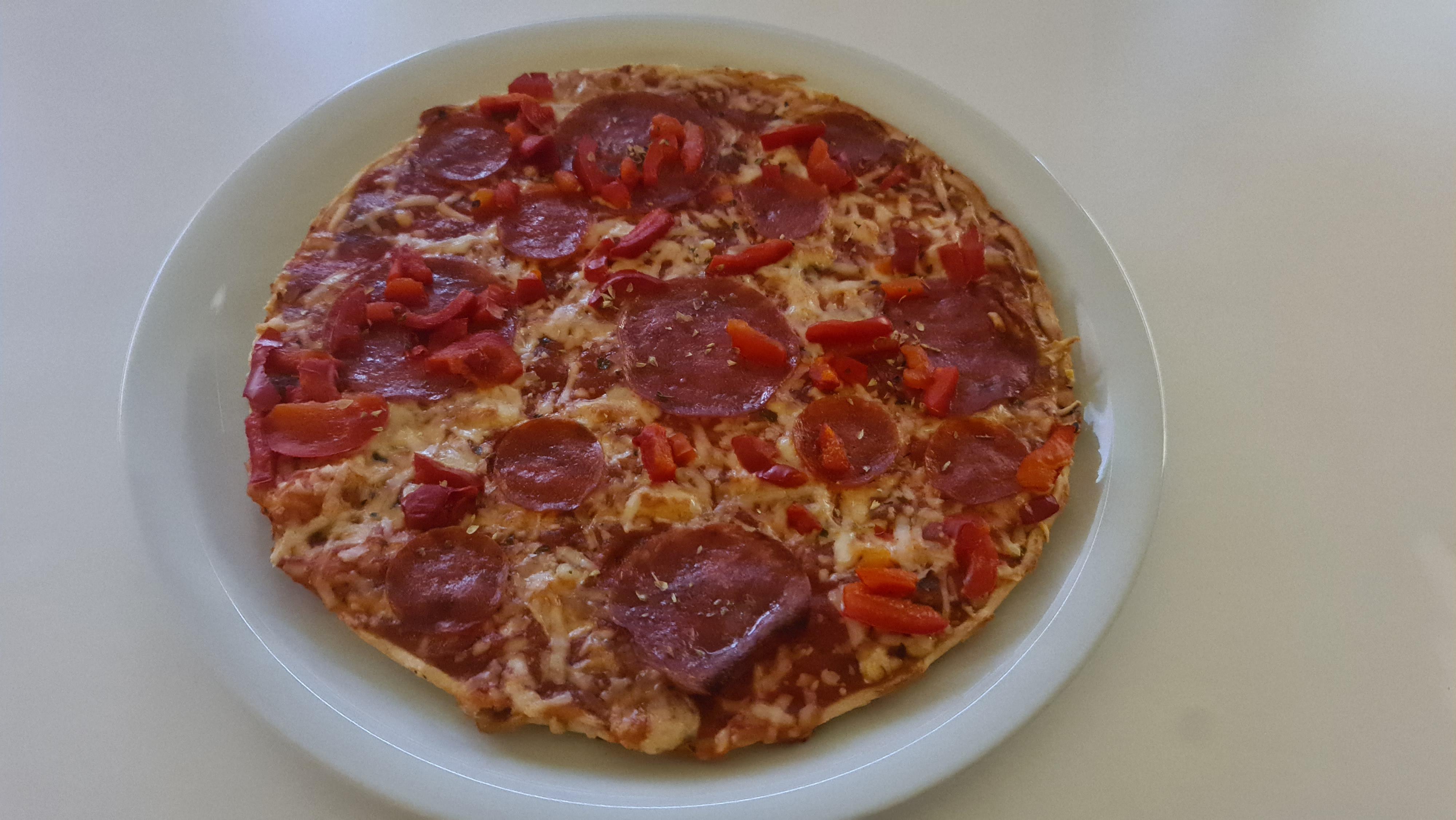 https://foodloader.net/Holz_2020-09-06_Pizza.jpg
