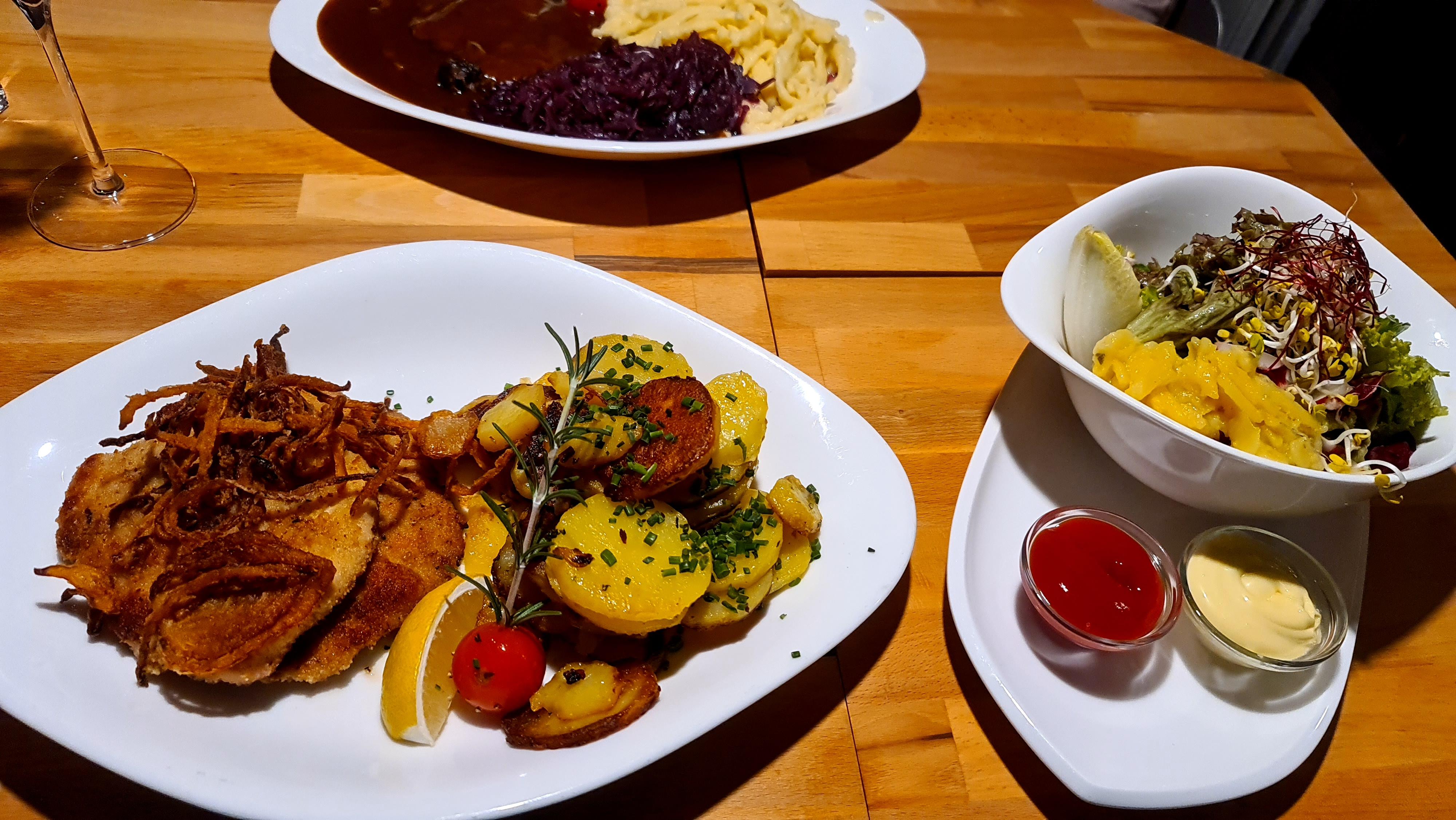 https://foodloader.net/Holz_2020-10-31_Schnitzel_mit_Bratkartoffeln.jpg