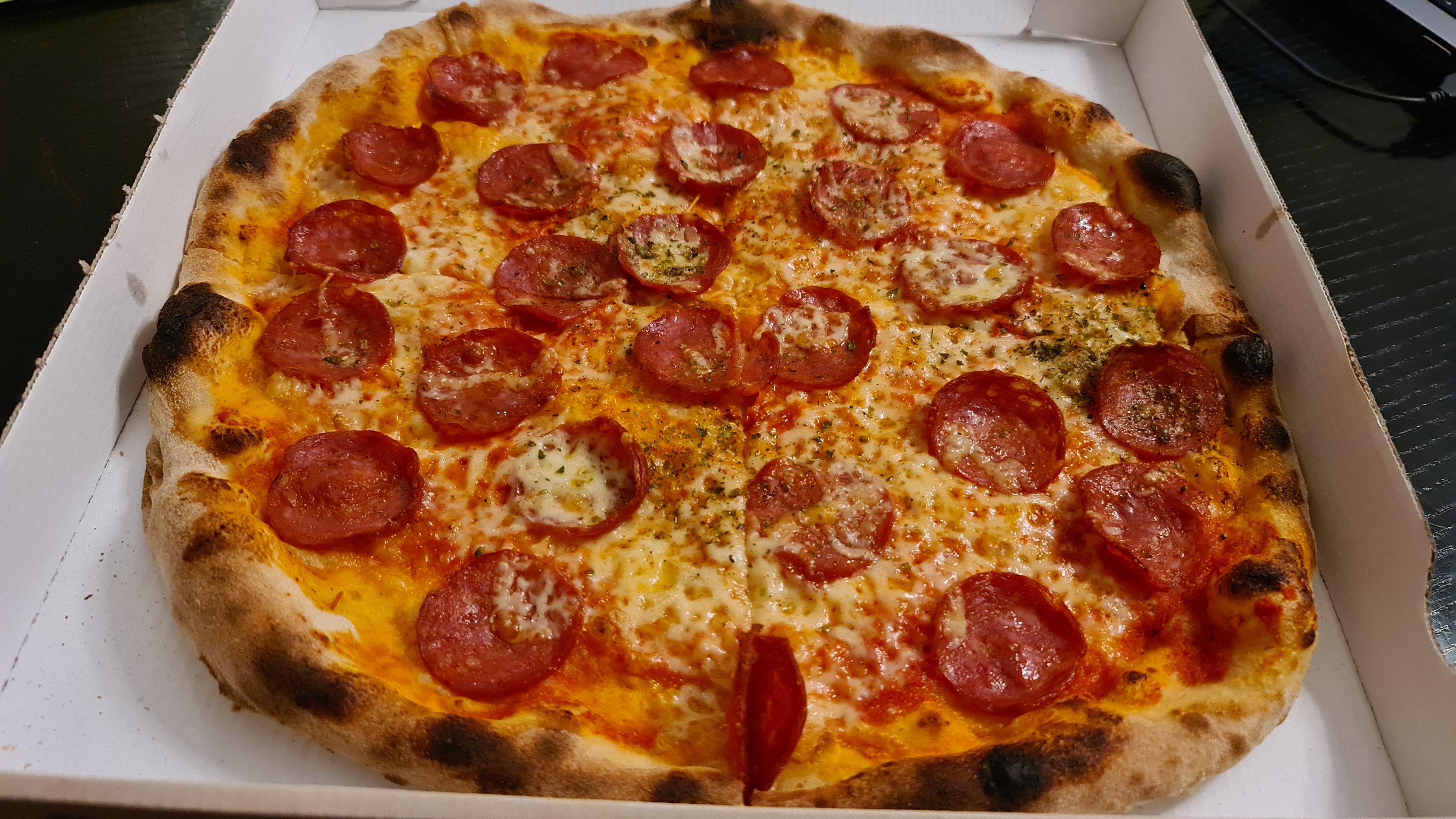 https://foodloader.net/Holz_2020-11-25_Pizza.jpg