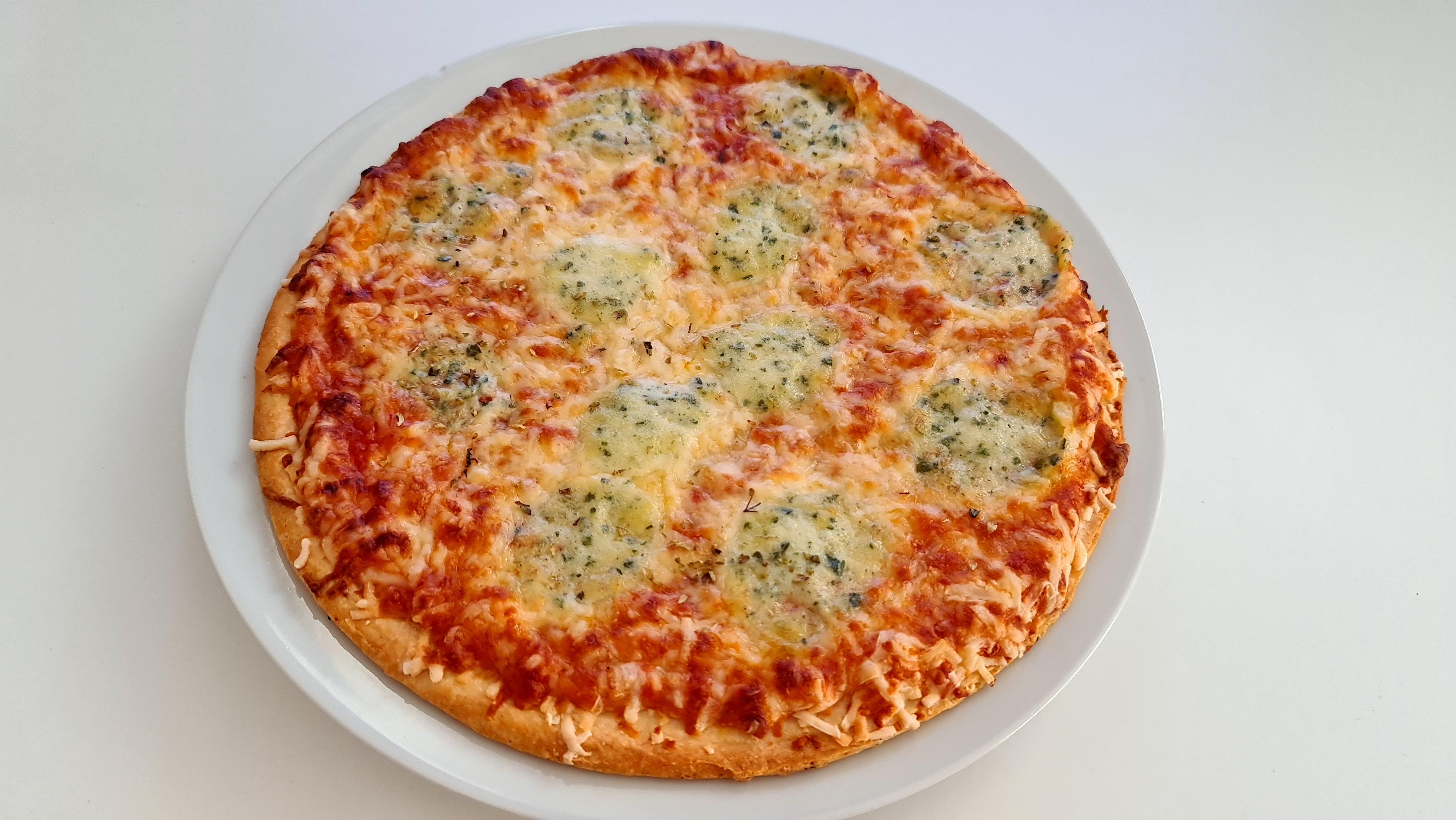 https://foodloader.net/Holz_2020-11-27_Pizza.jpg