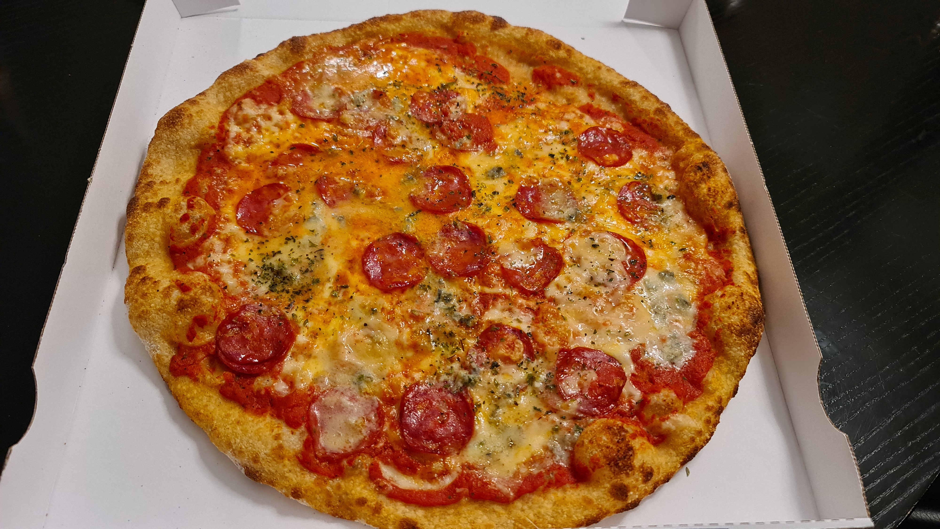 https://foodloader.net/Holz_2020-11-30_Pizza.jpg