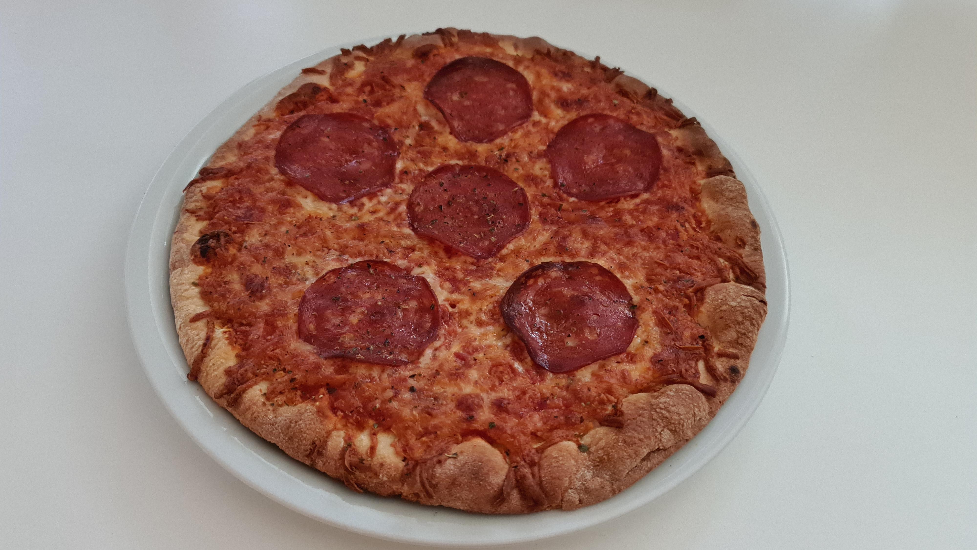 https://foodloader.net/Holz_2020-12-07_Pizza.jpg
