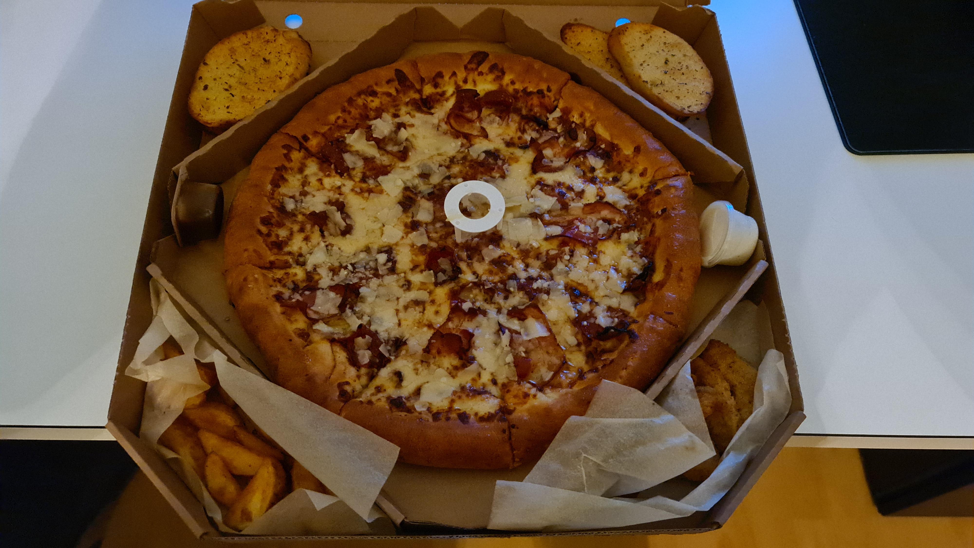 https://foodloader.net/Holz_2020-12-17_Pizza_Hut_The_Box.jpg