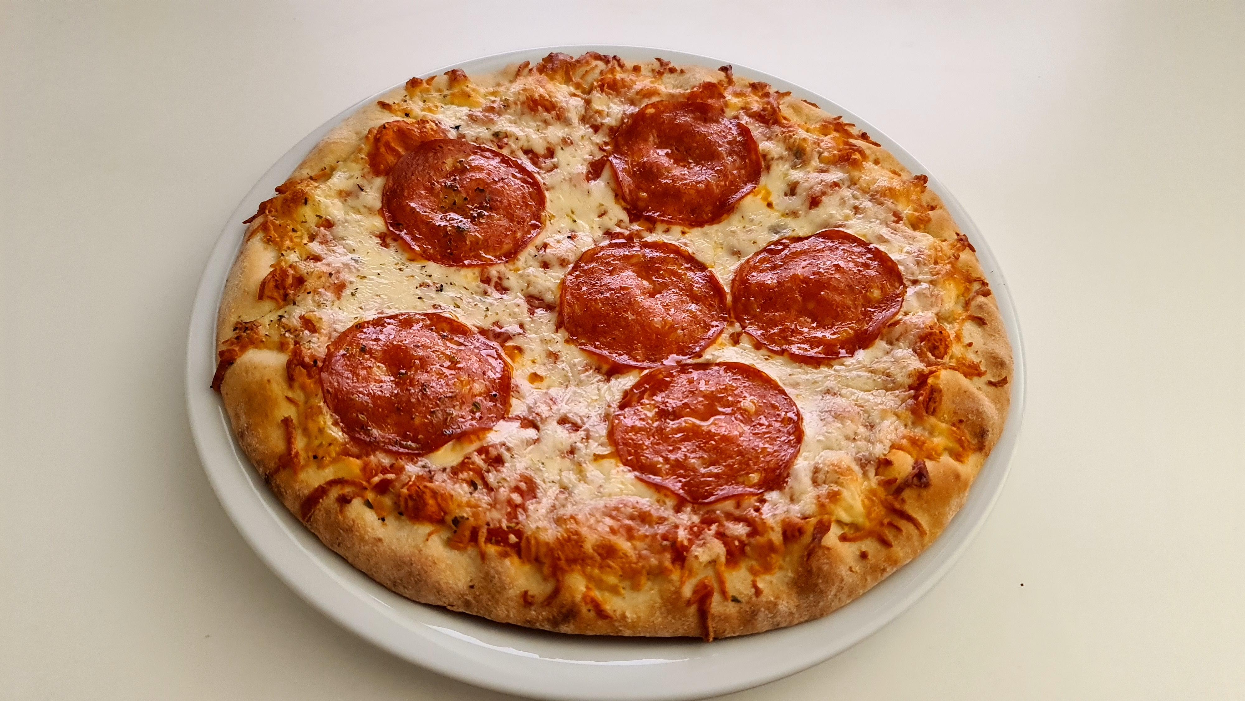 https://foodloader.net/Holz_2020-12-19_Pizza.jpg