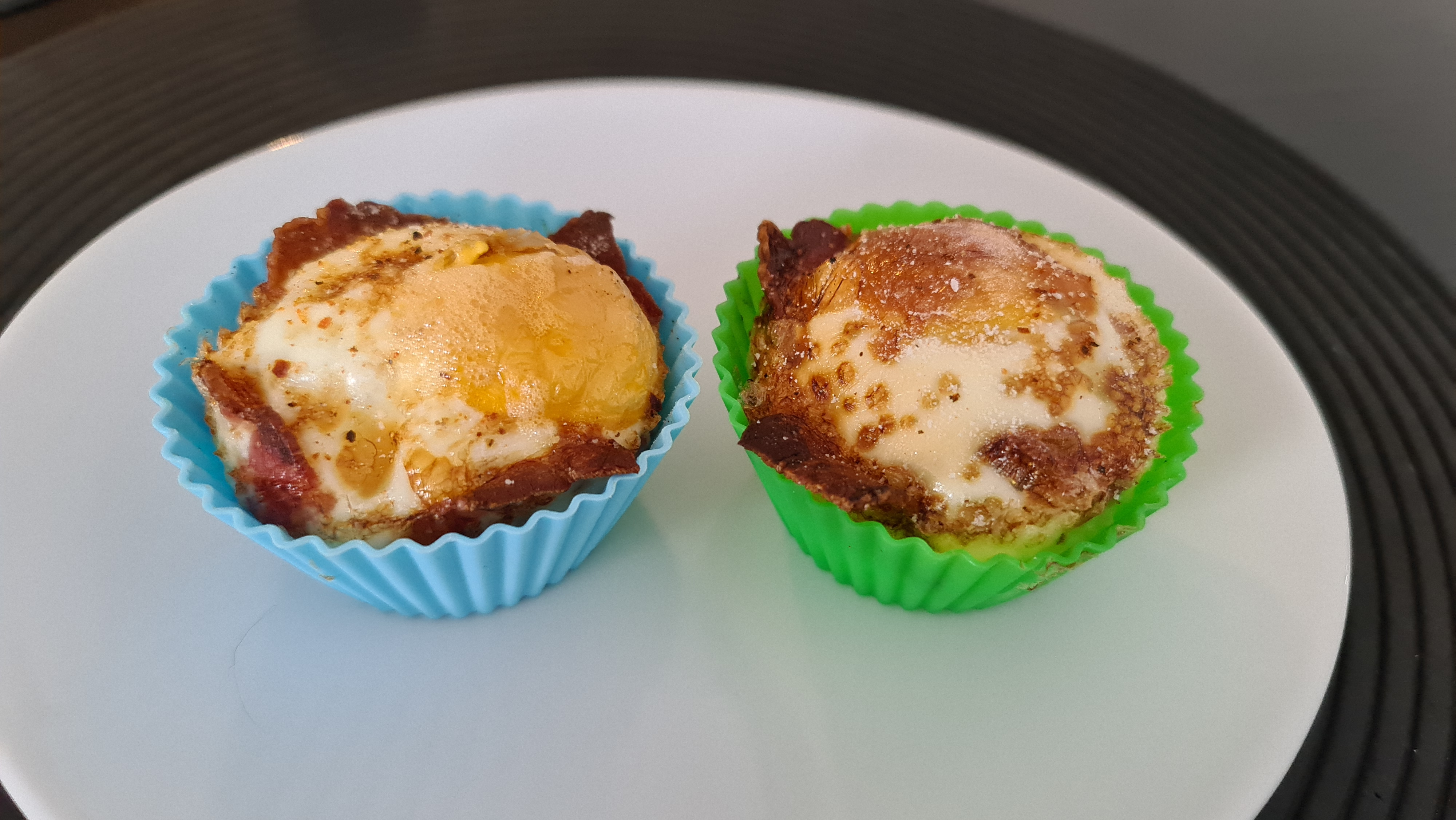 Holz • 2021-01-11 • Bacon-Ei-Muffins 1