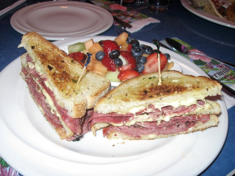https://foodloader.net/Piba_2013-02-05_Pastrami_FruitSalad.jpg