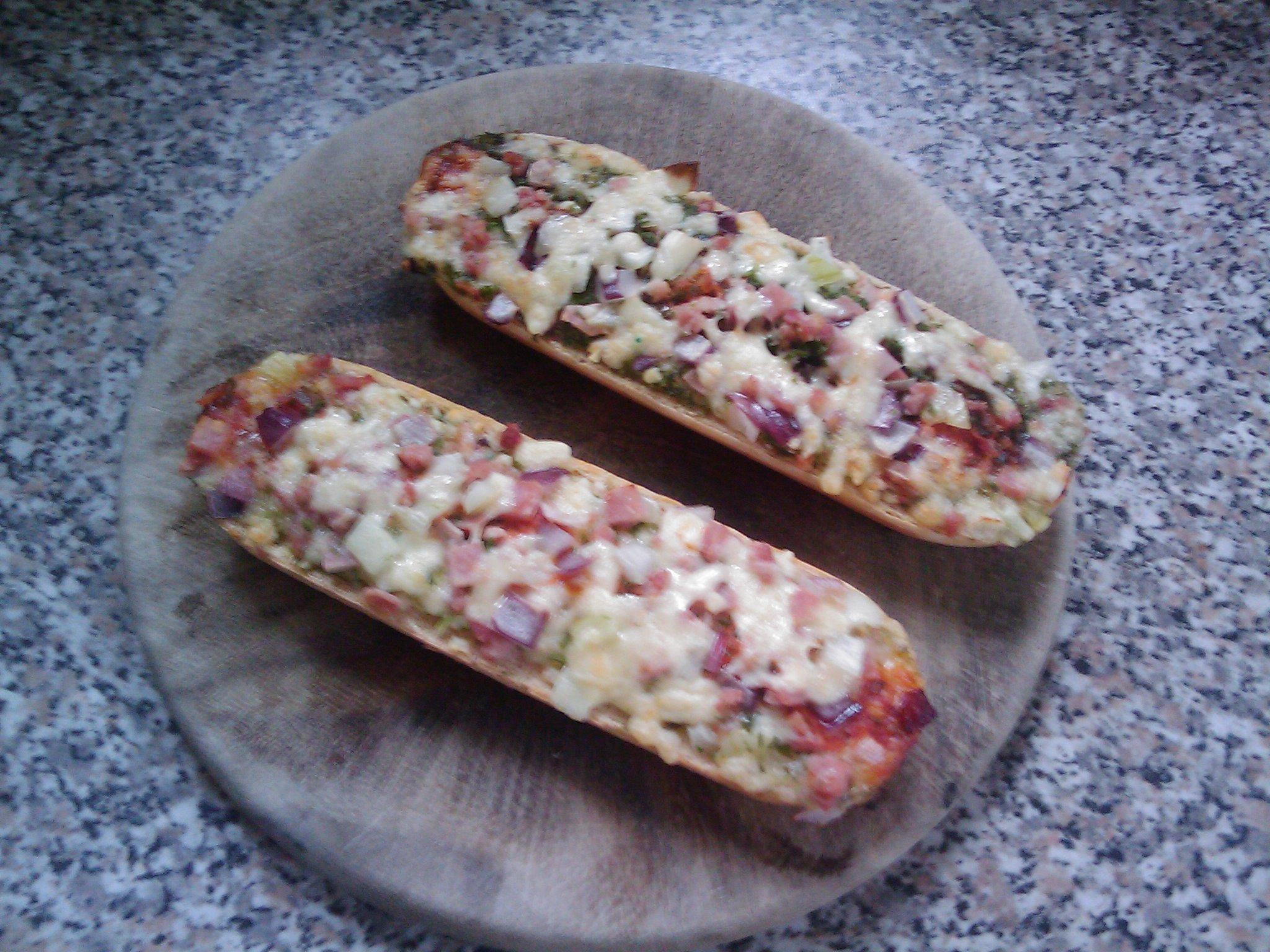 https://foodloader.net/Timber_2010-08-23_Pizzabaguettes.jpg