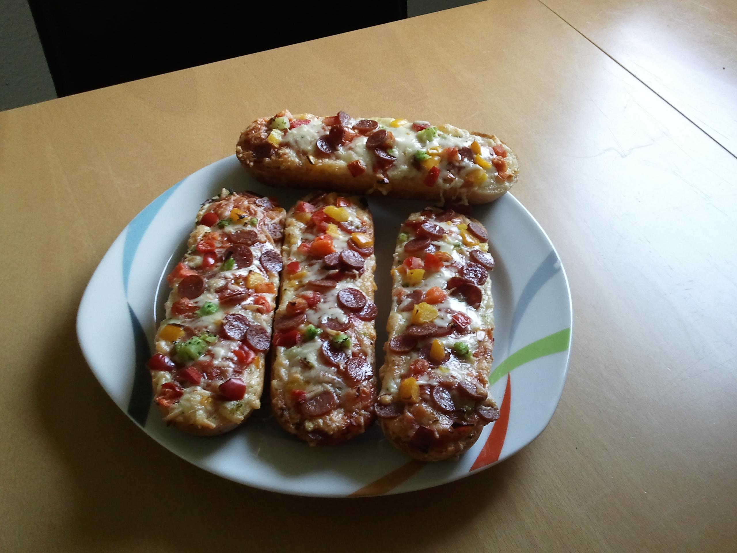 http://foodloader.net/Timber_2013-05-01_Baguette.jpg