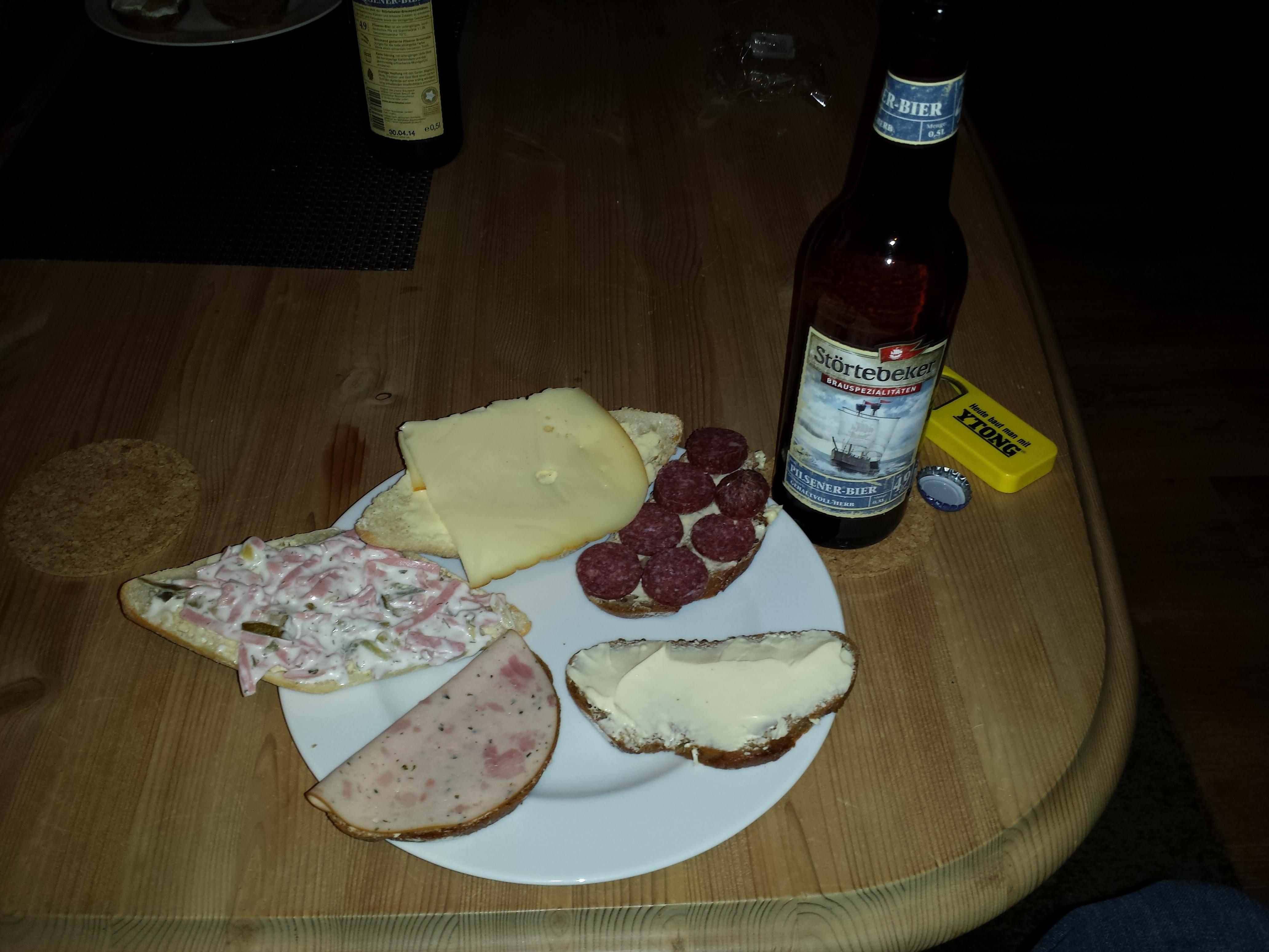 https://foodloader.net/Timber_2013-11-30_Abendbrot.jpg