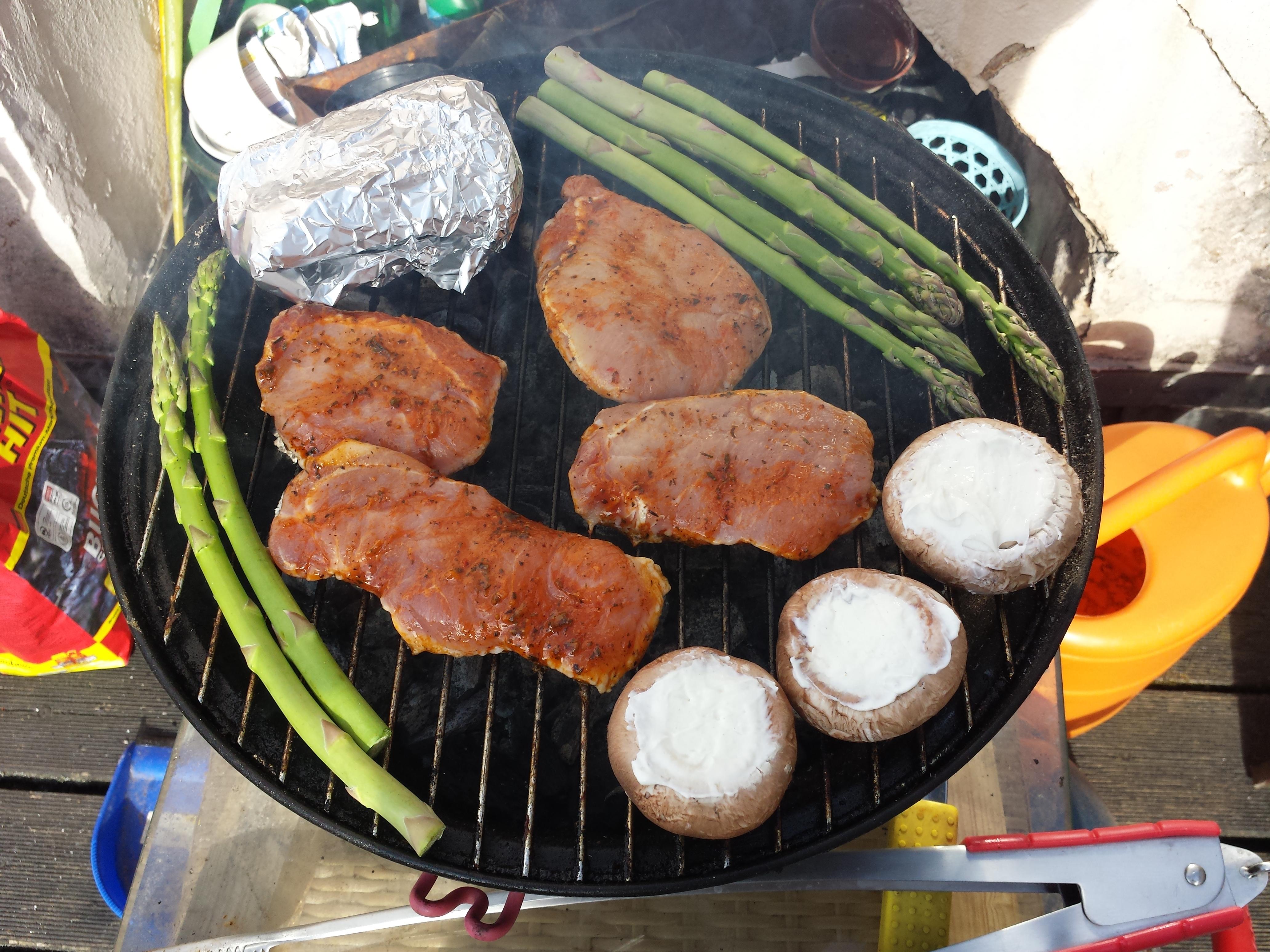 https://foodloader.net/Timber_2014-06-14_Grillgut.jpg