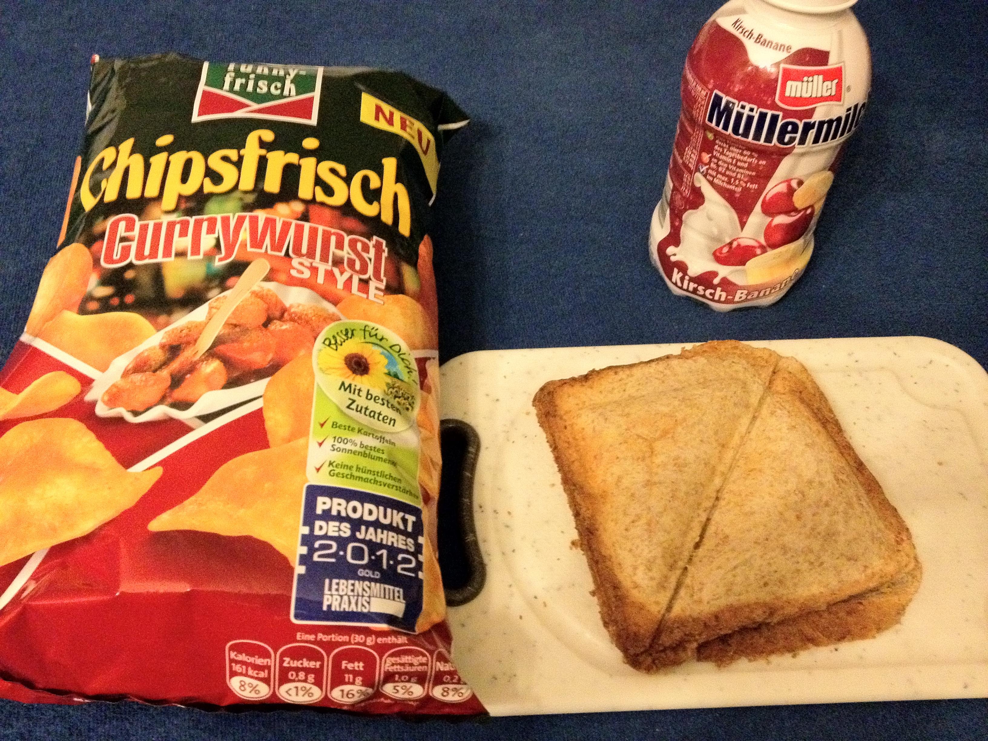 https://foodloader.net/b2k5_2012-11-01_Sandwich_Muellermilch_und_Chips.jpg