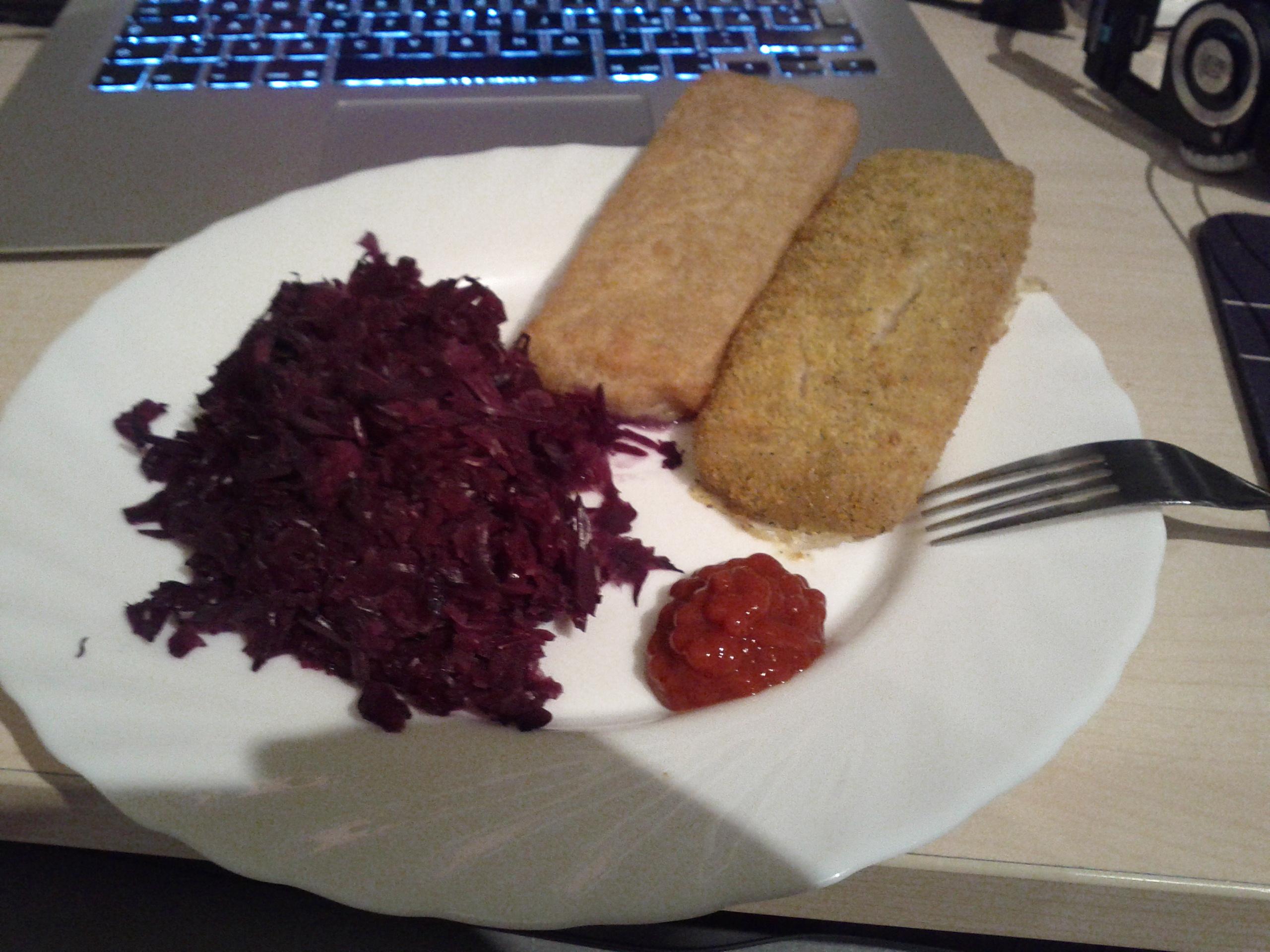 http://foodloader.net/bl1nk_2012-02-08_Backfisch__Allgemeinveredler__Rotkraut.jpg