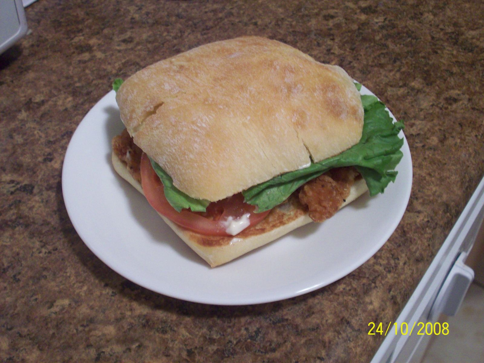 https://foodloader.net/cutie_2008-10-24_chicken_sandwich.jpg
