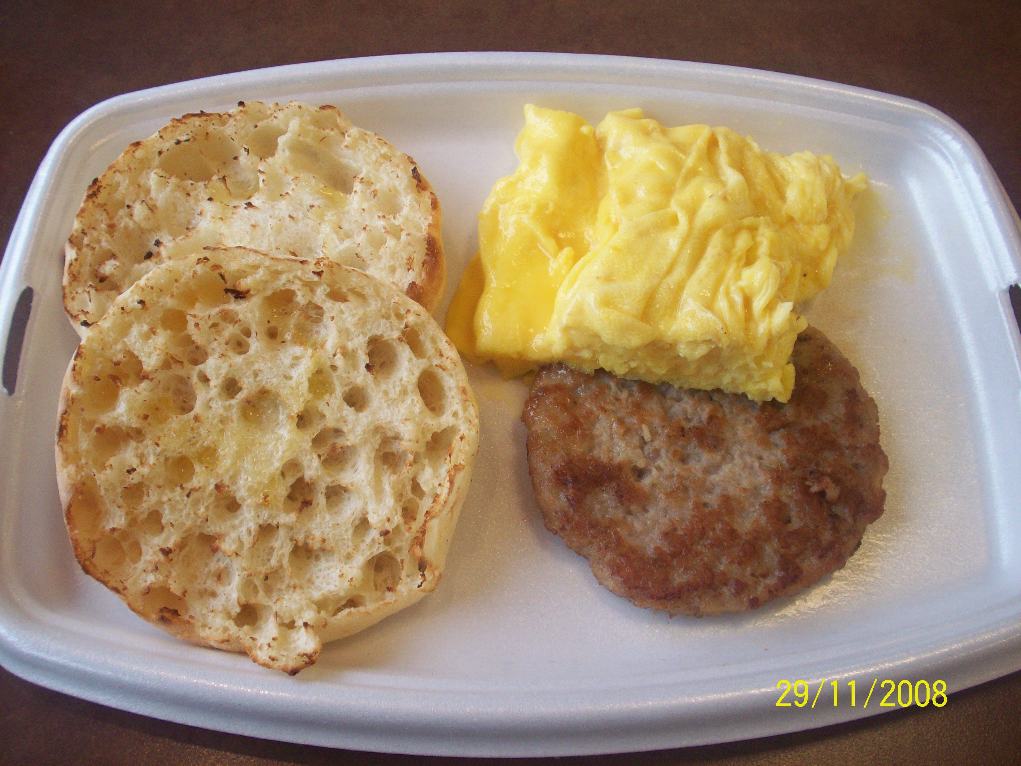 https://foodloader.net/cutie_2008-11-29_McDos_Big_Breakfast.jpg
