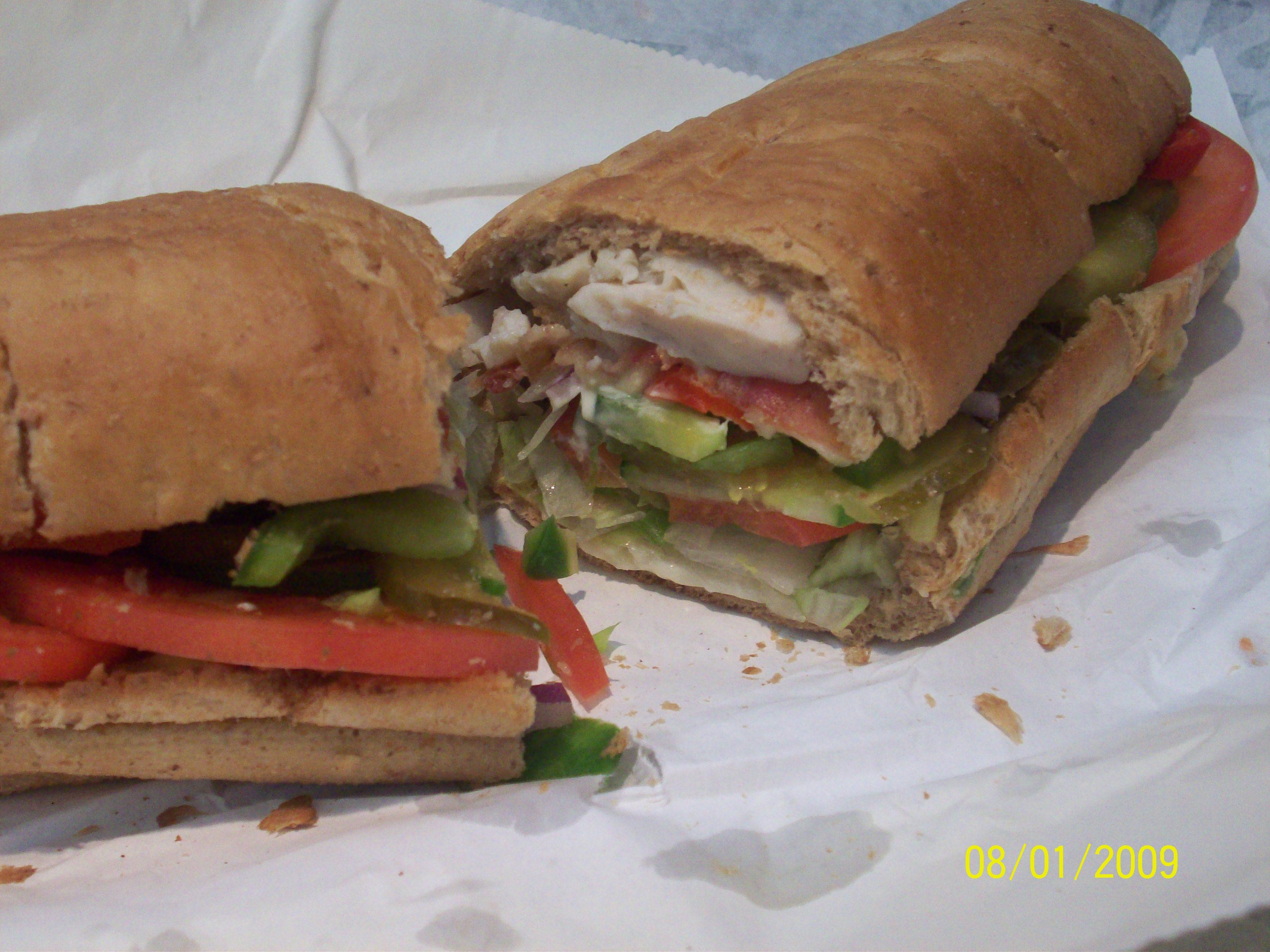 https://foodloader.net/cutie_2009-01-09_Subway_Chicken_&_Bacon_Ranch_Sandwich.jpg