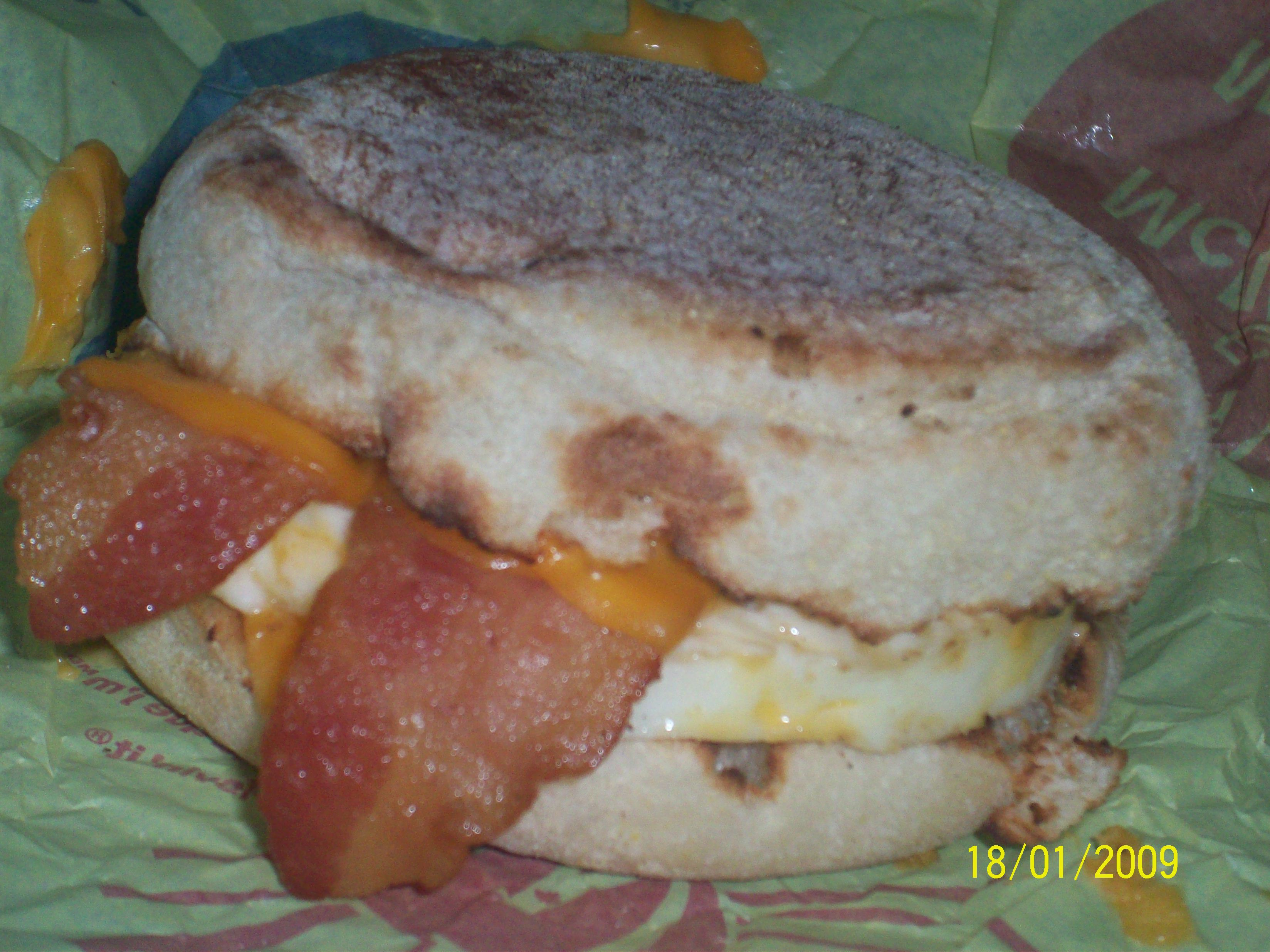 https://foodloader.net/cutie_2009-01-18_McMuffin_Bacon_and_Egg.jpg