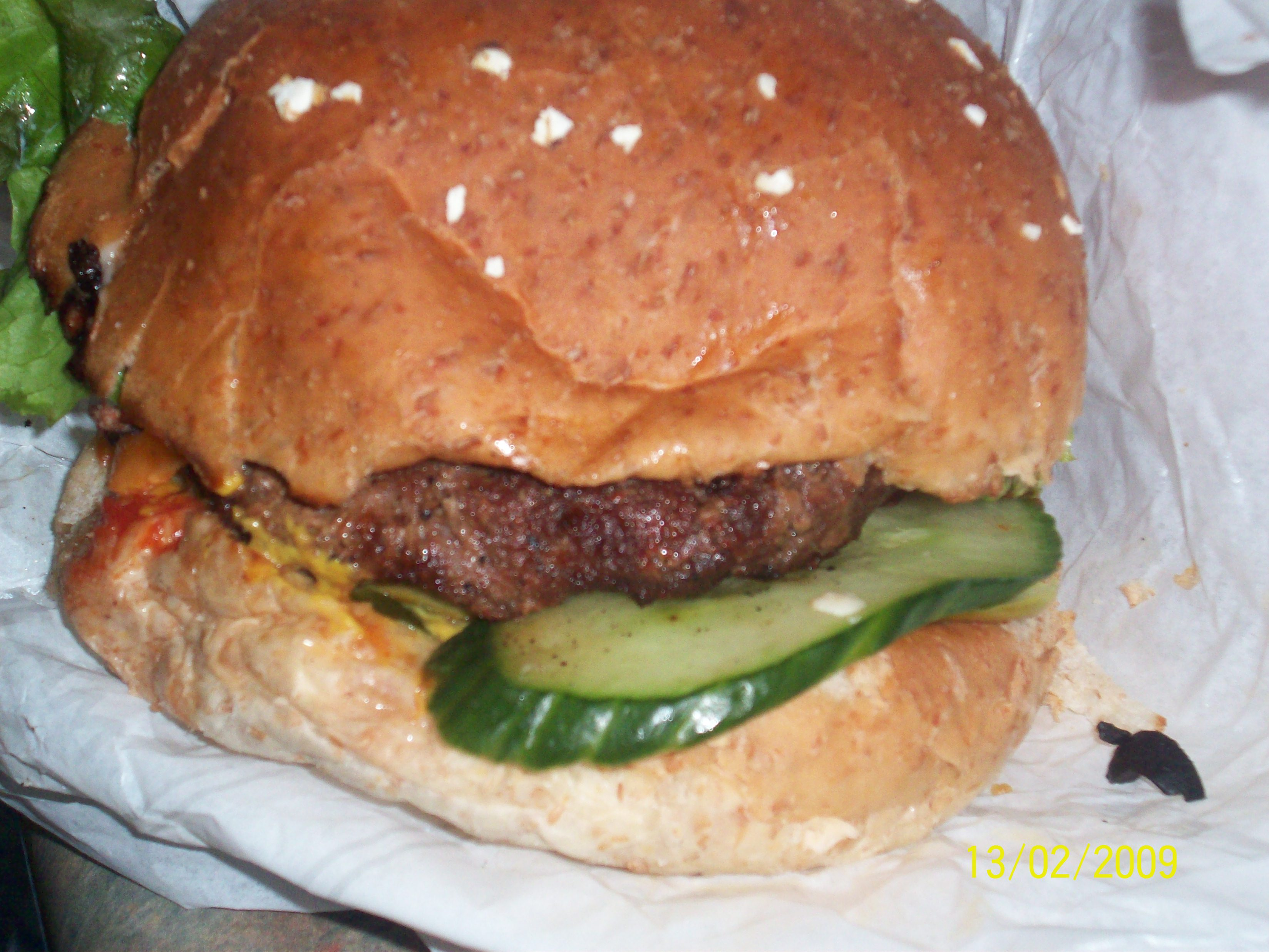 https://foodloader.net/cutie_2009-02-13_South_St._Burger_Co._Hamburger_with_Bacon.jpg