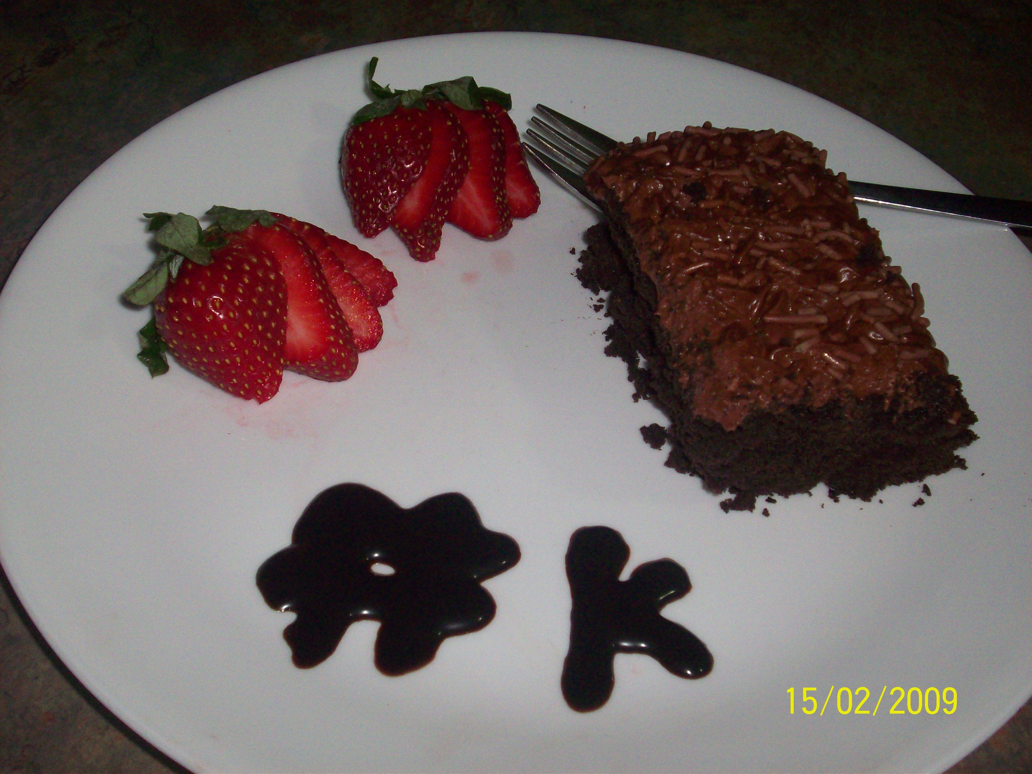http://foodloader.net/cutie_2009-02-15_Sliced_Triple_Chocolate_Cake.jpg