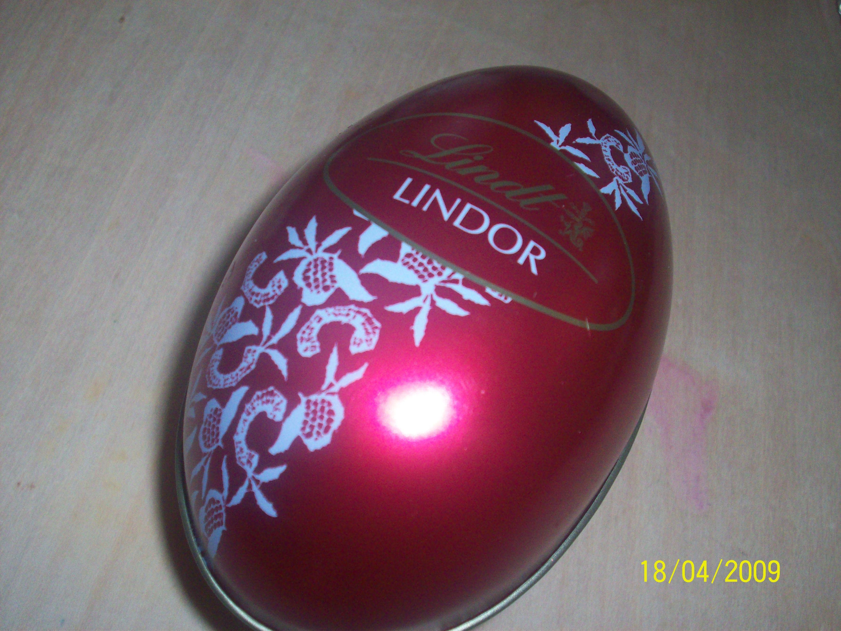 https://foodloader.net/cutie_2009-04-19_Lindt_Chocolate2.jpg