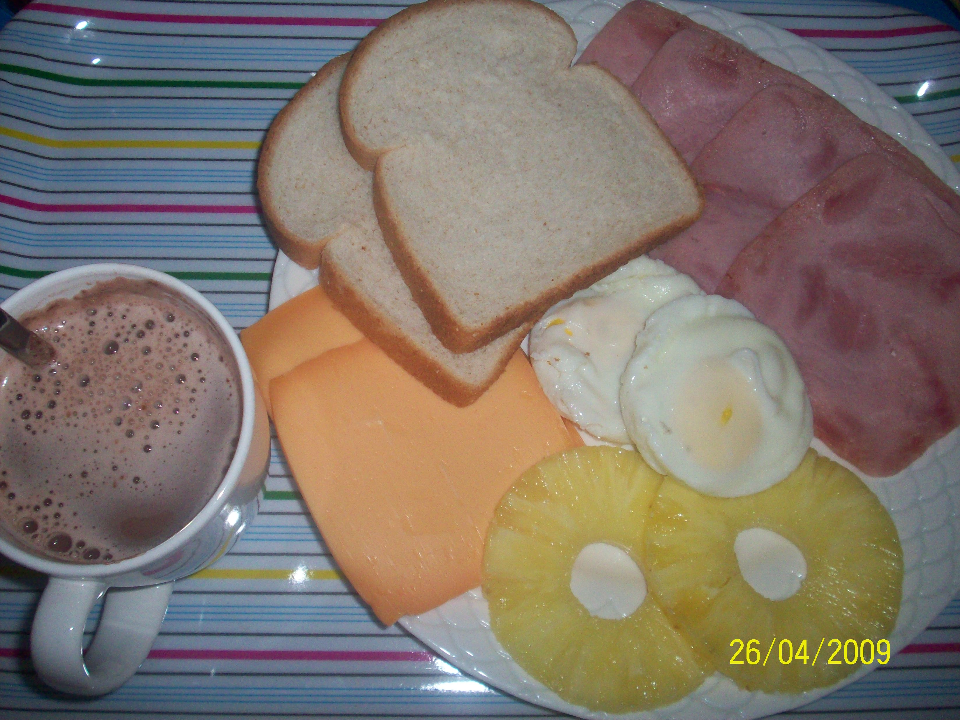 https://foodloader.net/cutie_2009-04-26_Breakfast.jpg
