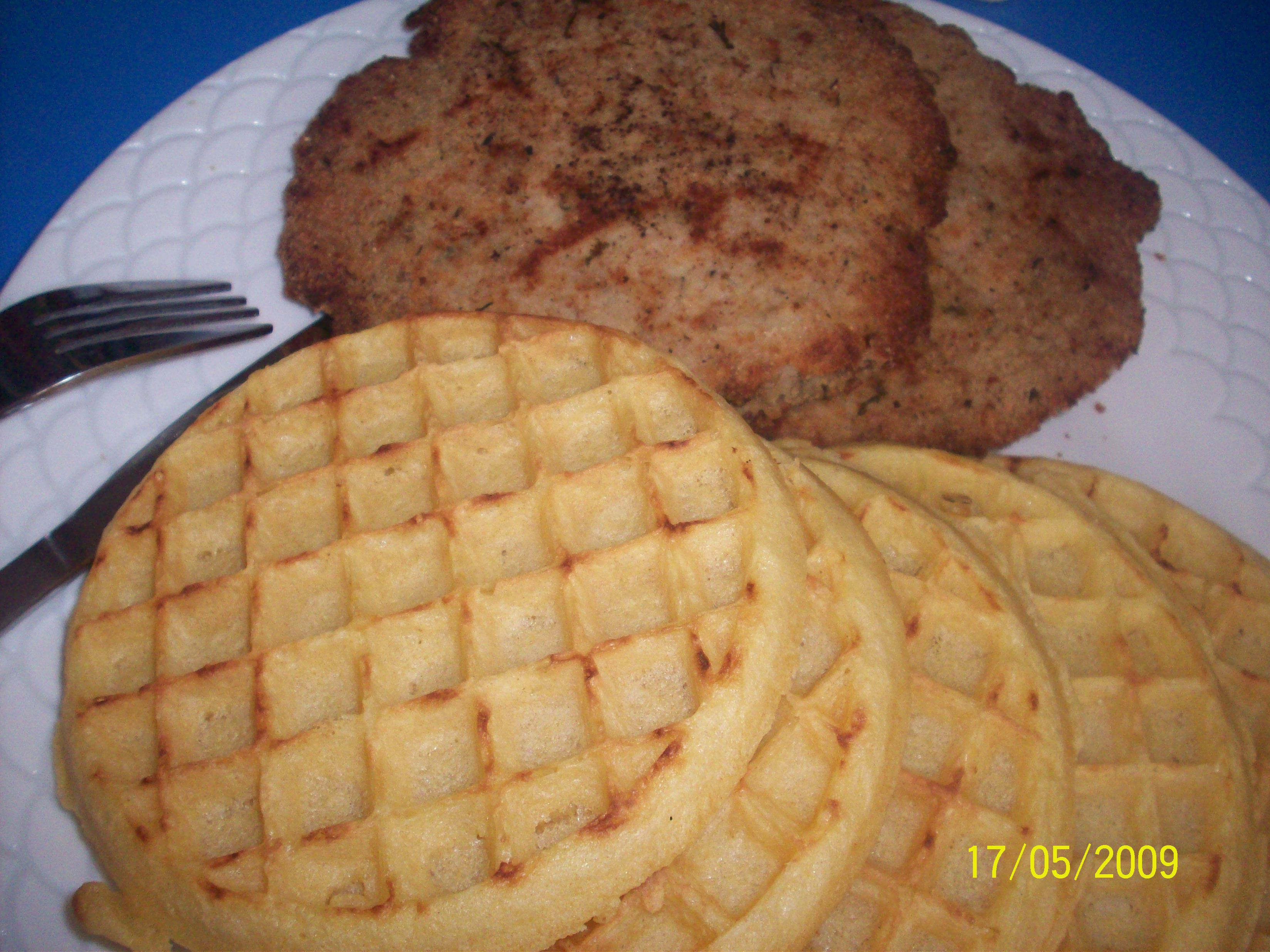 https://foodloader.net/cutie_2009-05-17_Waffles_and_Salmon_Cake.jpg