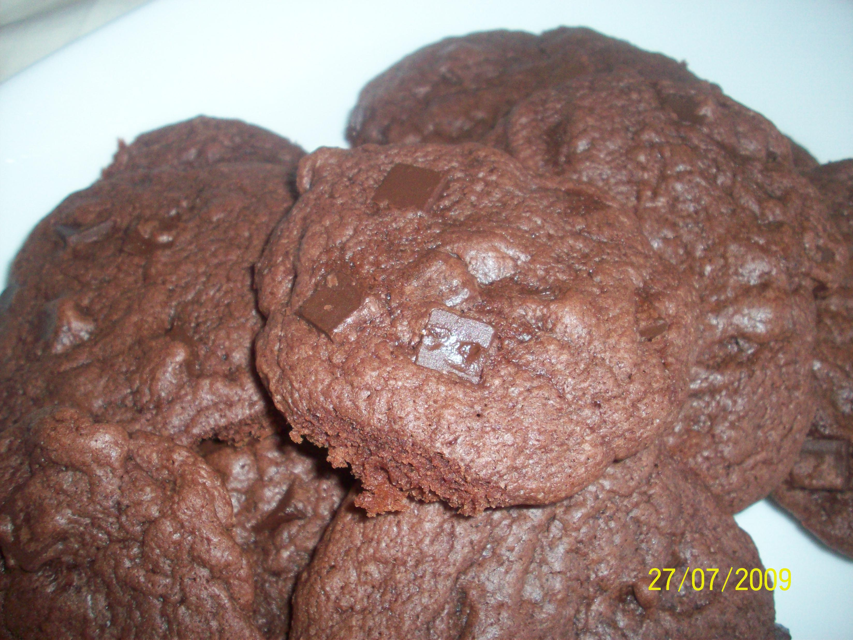 https://foodloader.net/cutie_2009-07-27_Double_Chocolate_Cookies.jpg