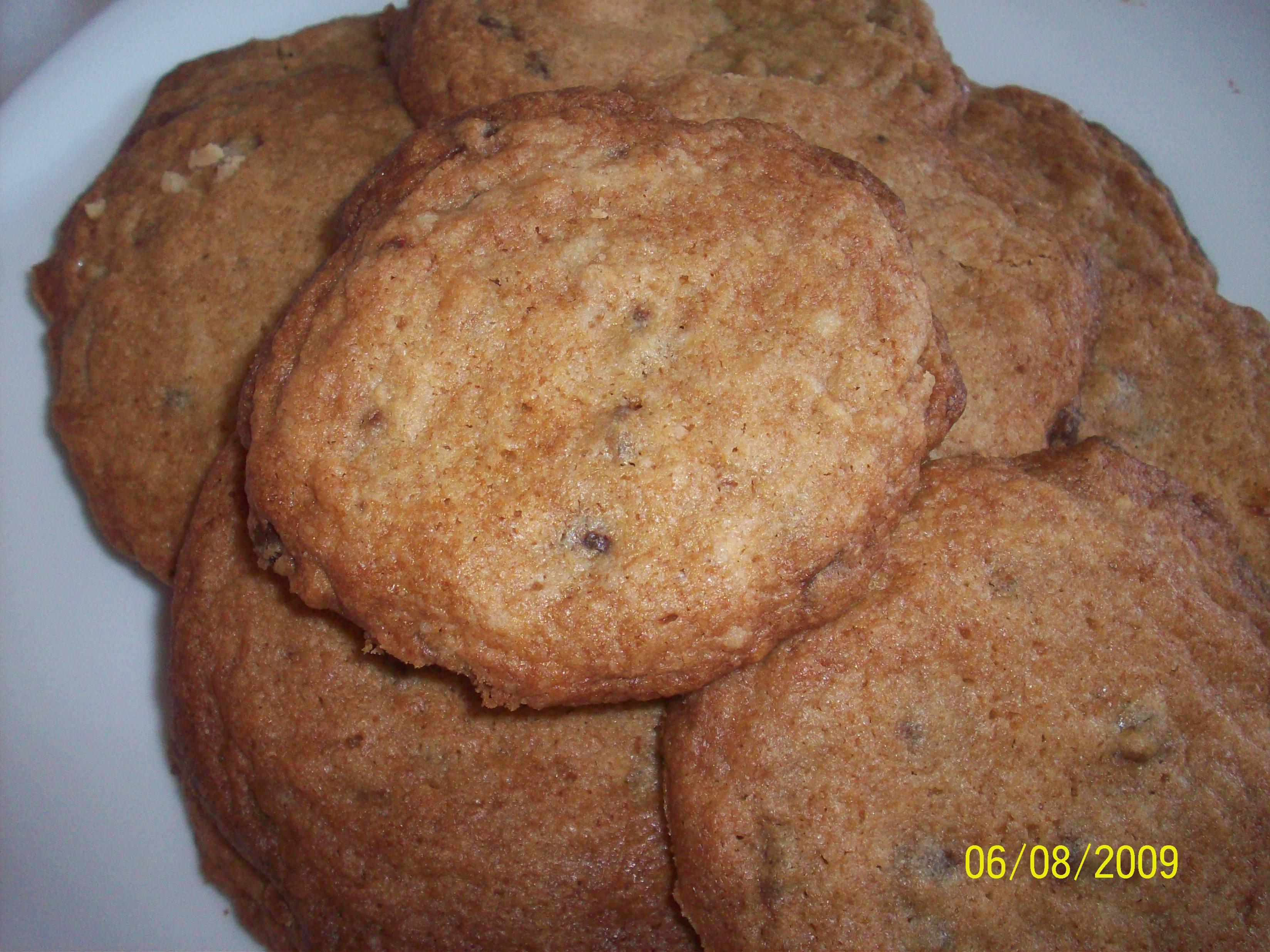 https://foodloader.net/cutie_2009-08-06_Chocolate_Chip_Cookies.jpg