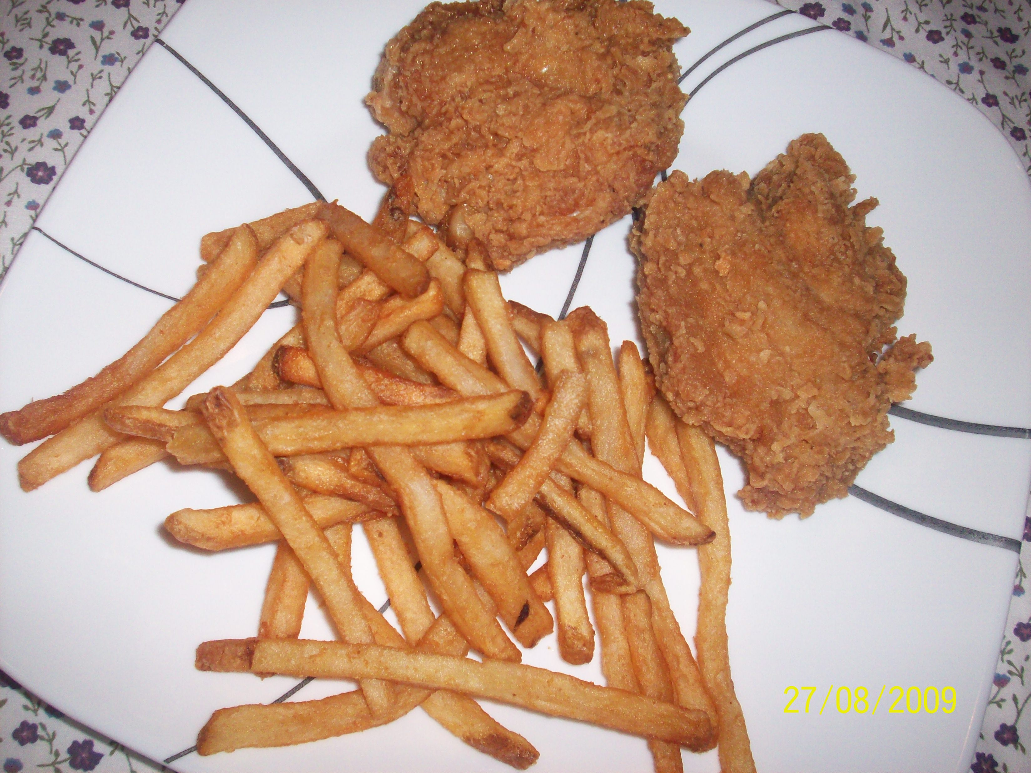 http://foodloader.net/cutie_2009-08-27_KFC_Chicken_and_Fries.jpg