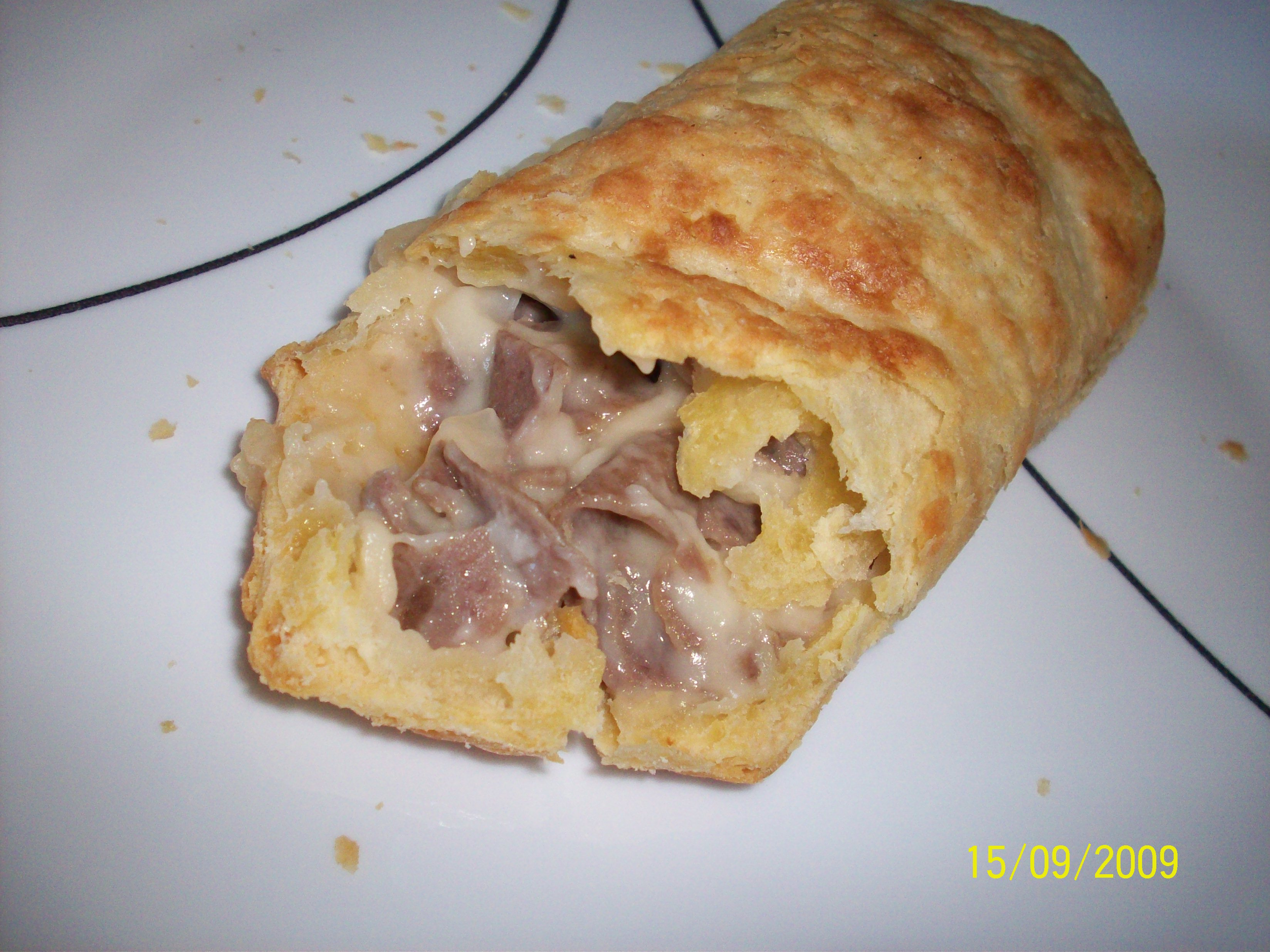 https://foodloader.net/cutie_2009-09-15_Crustini_Philli-Style_Steak_and_Cheese.jpg