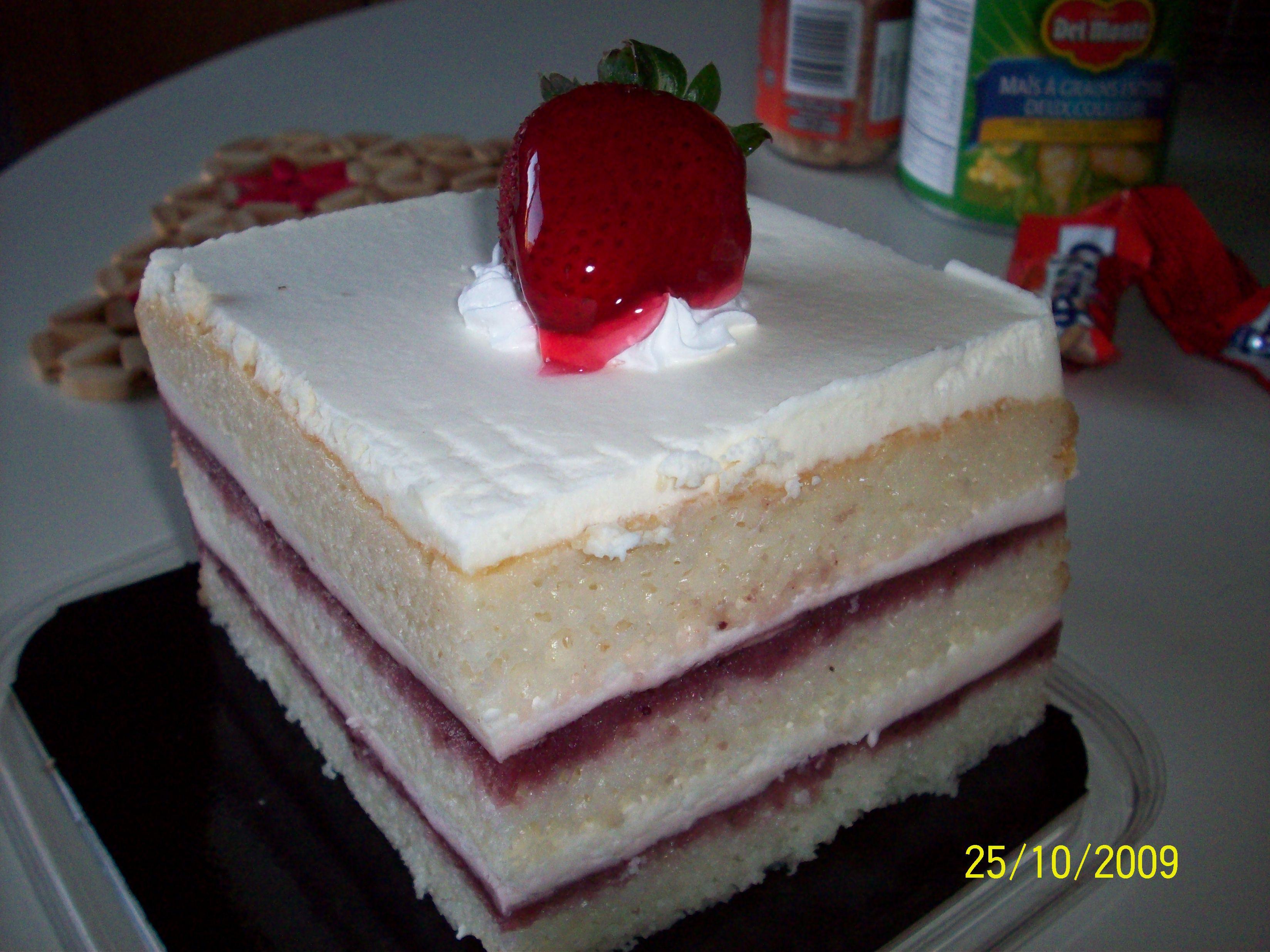 http://foodloader.net/cutie_2009-10-25_Strawberry_Shortcake.jpg