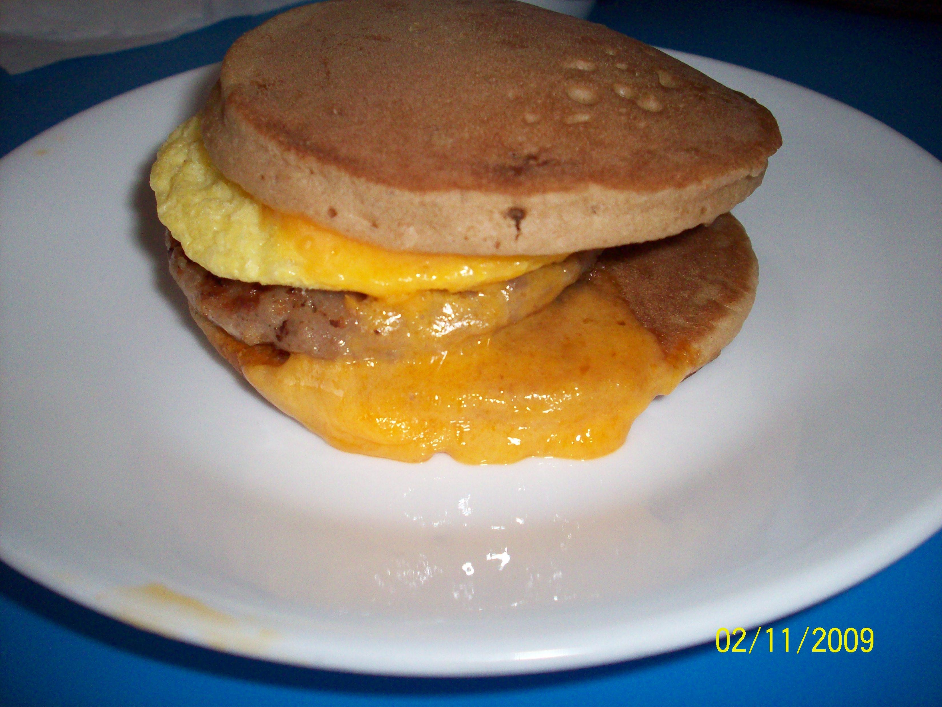 https://foodloader.net/cutie_2009-11-02_English_Muffin_Sandwich.jpg