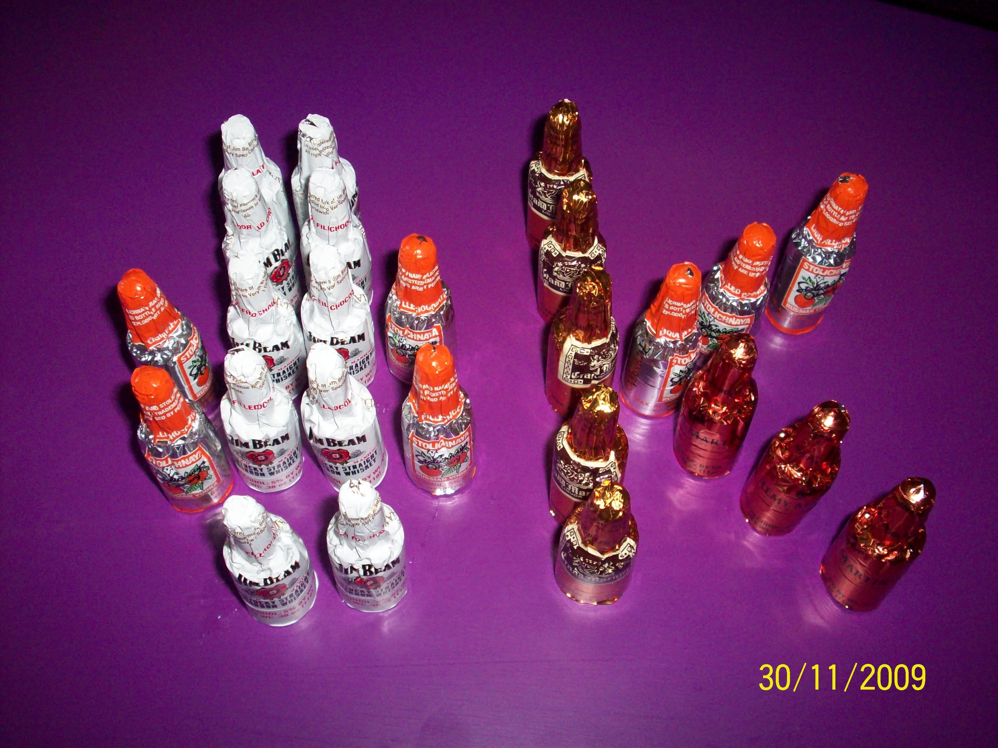 http://foodloader.net/cutie_2009-11-30_Liquor_Filled_Chocolates_-_k.jpg