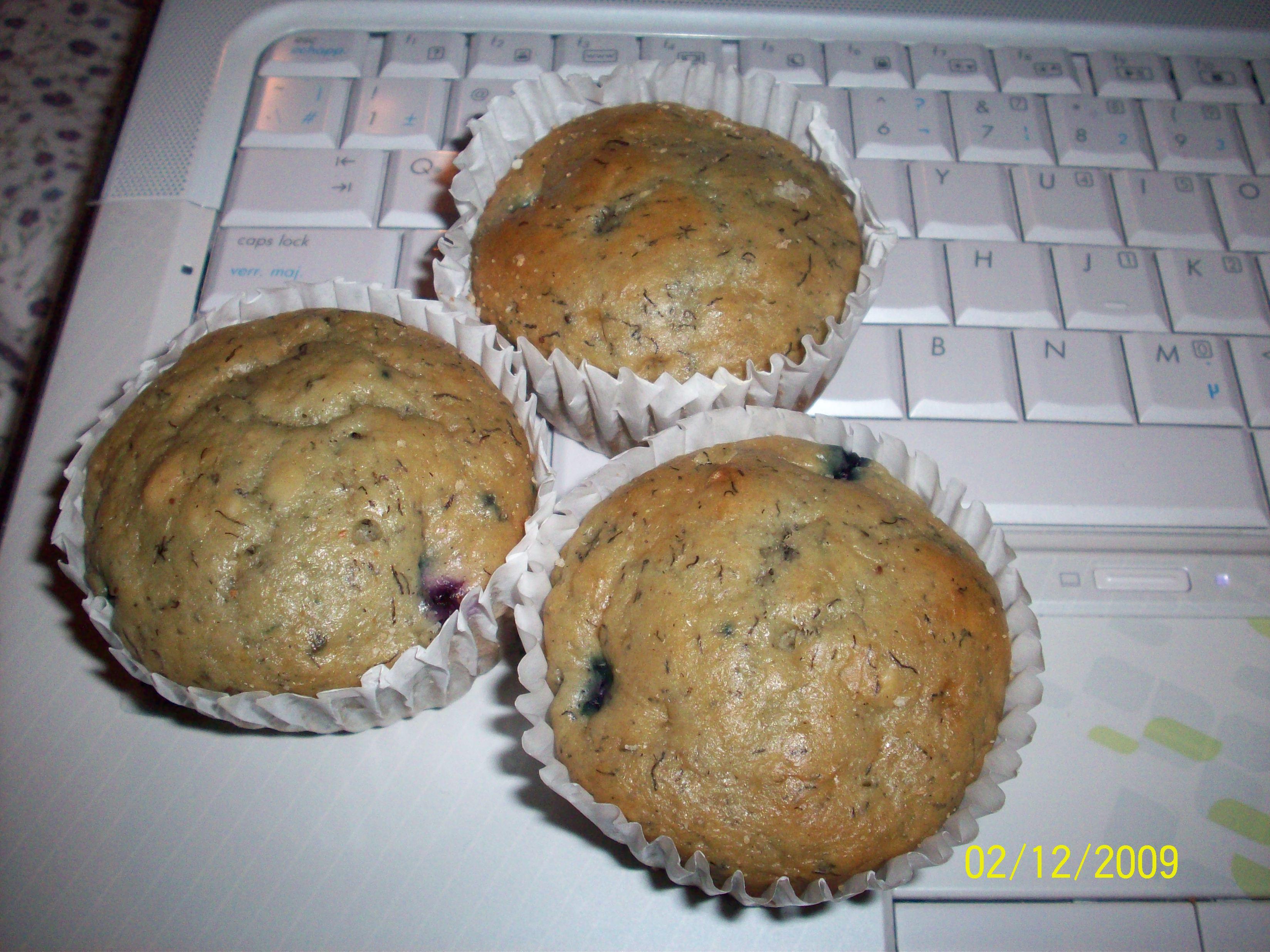 http://foodloader.net/cutie_2009-12-02_Banana_Blueberry_Cupcakes.jpg