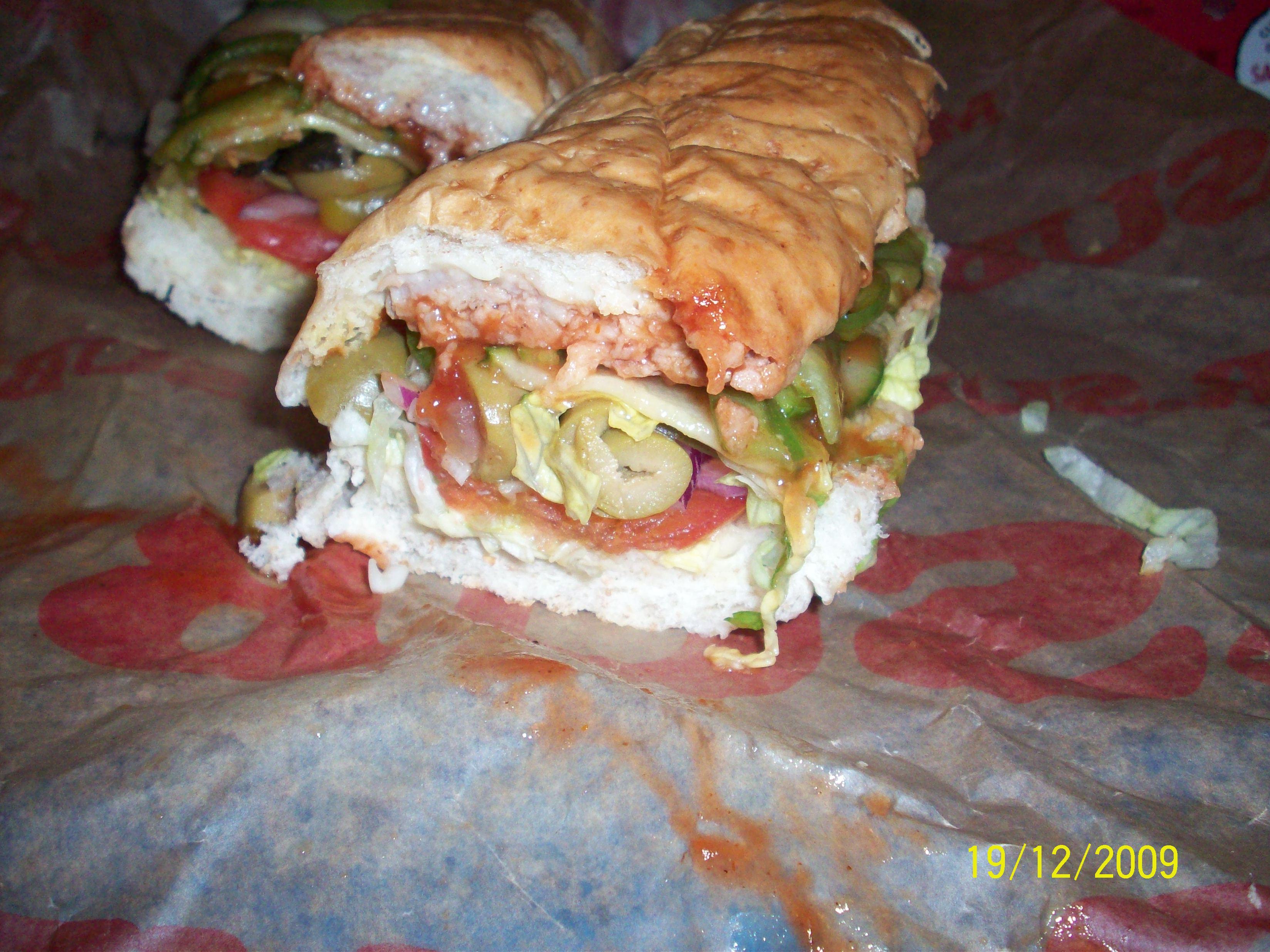 http://foodloader.net/cutie_2009-12-19_Cold_BBQ_Ribs_Sandwich.jpg