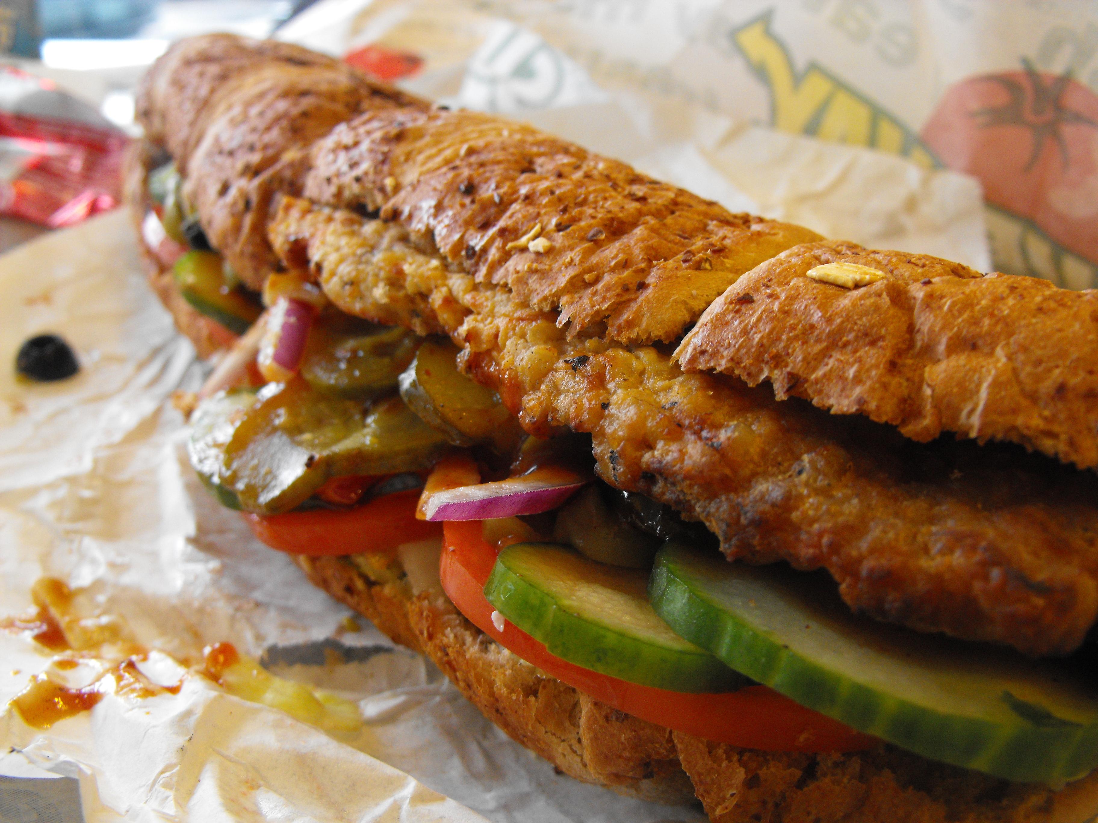 http://foodloader.net/cutie_2009-12-27_Subway_BBQ_Sandwich.jpg