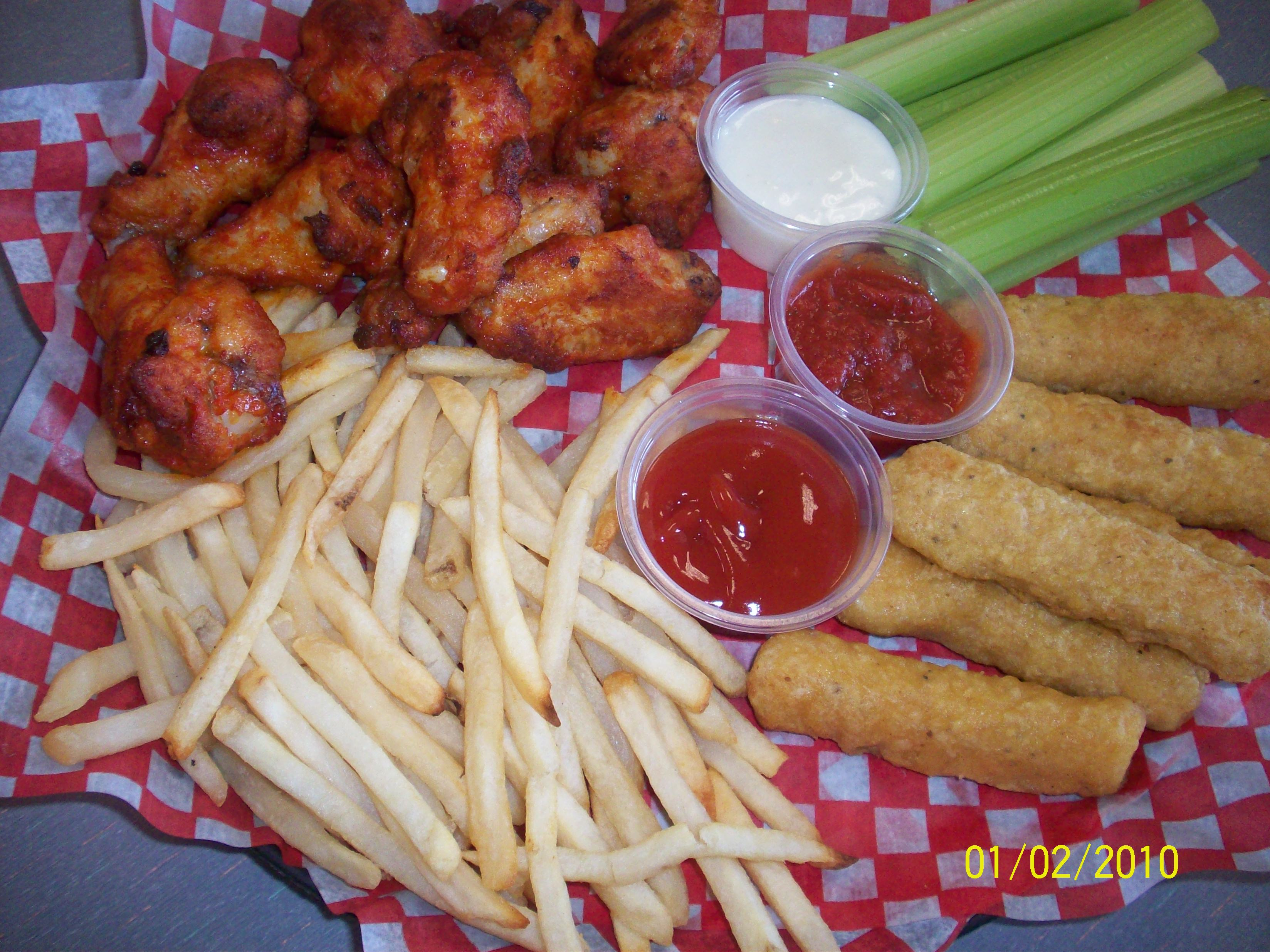 cutie • 2010-02-01 • Buffalo wings, cheesesticks, fries and celery